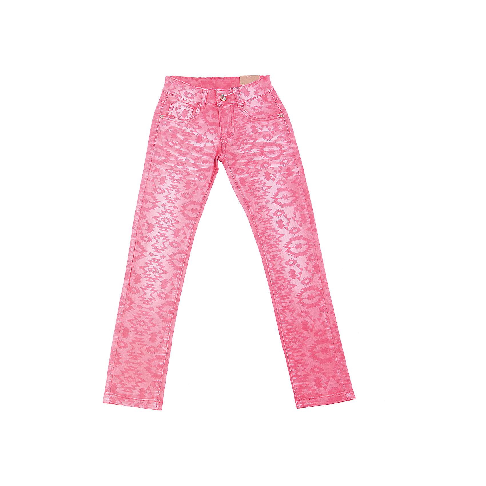 Брюки для девочки LuminosoСтильные джинсовые брюки для девочки. Зауженный крой. Застегиваются на молнию и пуговицу. Шлевки на поясе рассчитаны под ремень. В боковой части пояса находятся вшитые эластичные ленты, регулирующие посадку по талии.<br>Состав:<br>98%хлопок 2%эластан<br><br>Ширина мм: 215<br>Глубина мм: 88<br>Высота мм: 191<br>Вес г: 336<br>Цвет: розовый<br>Возраст от месяцев: 96<br>Возраст до месяцев: 108<br>Пол: Женский<br>Возраст: Детский<br>Размер: 134,140,146,152,158,164<br>SKU: 5413640