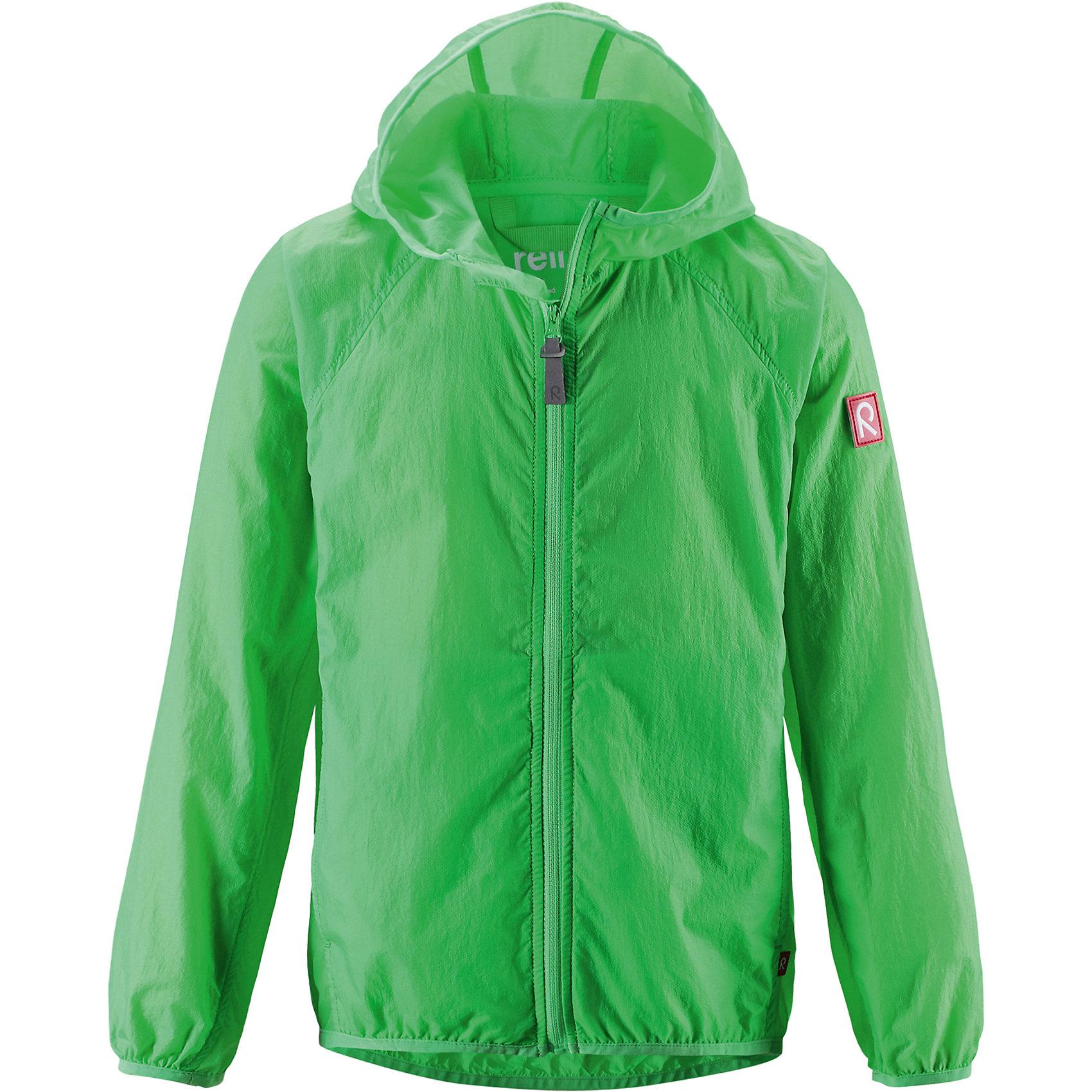 Куртка Saguenay для мальчика ReimaХарактеристики товара:<br><br>• цвет: зеленый<br>• состав: 100% полиамид<br>• температурный режим: от +15°до +5°С<br>• сезон: весна-лето<br>• без утеплителя<br>• застежка: молния<br>• эластичные манжеты<br>• капюшон<br>• карманы<br>• логотип<br>• комфортная посадка<br>• страна производства: Китай<br>• страна бренда: Финляндия<br><br>Верхняя одежда для детей может быть модной и комфортной одновременно! Легкая куртка поможет обеспечить ребенку комфорт в прохладную погоду. Она отлично смотрится с различной одеждой и обувью. Изделие удобно сидит и модно выглядит. Стильный дизайн разрабатывался специально для детей.<br><br>Одежда и обувь от финского бренда Reima пользуется популярностью во многих странах. Эти изделия стильные, качественные и удобные. Для производства продукции используются только безопасные, проверенные материалы и фурнитура. Порадуйте ребенка модными и красивыми вещами от Reima! <br><br>Куртку Saguenay для мальчика от финского бренда Reima (Рейма) можно купить в нашем интернет-магазине.<br><br>Ширина мм: 356<br>Глубина мм: 10<br>Высота мм: 245<br>Вес г: 519<br>Цвет: зеленый<br>Возраст от месяцев: 108<br>Возраст до месяцев: 120<br>Пол: Унисекс<br>Возраст: Детский<br>Размер: 140,146,104,116,122,152,128,134<br>SKU: 5415466