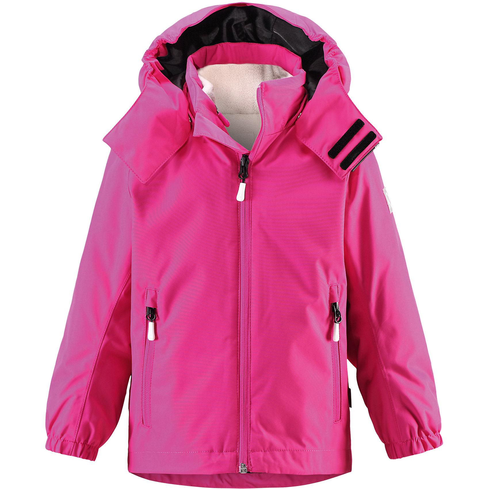 Куртка Roundtrip  Reimatec® ReimaОдежда<br>Характеристики товара:<br><br>• цвет: розовый<br>• состав: 100% полиэстер, полиуретановое покрытие<br>• температурный режим: -15° до +5° градусов<br>• внутренняя флисовая куртка<br>• водонепроницаемая мембрана: от 10000 мм<br>• основные швы проклеены<br>• съёмный капюшон<br>• молния<br>• светоотражающие детали<br>• «дышащий» материал<br>• ветро- водо- и грязеотталкивающий материал<br>• кнопки Reima® Play Layers <br>• карманы<br>• комфортная посадка<br>• страна производства: Китай<br>• страна бренда: Финляндия<br><br>Верхняя одежда для детей может быть модной и комфортной одновременно! Эти зимняя куртка поможет обеспечить ребенку комфорт и тепло. Она отлично смотрится с различной одеждой и обувью. Изделие удобно сидит и модно выглядит. Стильный дизайн разрабатывался специально для детей. Отличный вариант для активного отдыха зимой!<br><br>Одежда и обувь от финского бренда Reima пользуется популярностью во многих странах. Эти изделия стильные, качественные и удобные. Для производства продукции используются только безопасные, проверенные материалы и фурнитура. Порадуйте ребенка модными и красивыми вещами от Reima! <br><br>Куртку Roundtrip от финского бренда Reimatec® Reima (Рейма) можно купить в нашем интернет-магазине.<br><br>Ширина мм: 356<br>Глубина мм: 10<br>Высота мм: 245<br>Вес г: 519<br>Цвет: розовый<br>Возраст от месяцев: 60<br>Возраст до месяцев: 72<br>Пол: Унисекс<br>Возраст: Детский<br>Размер: 116,128,122,110,104,134,140<br>SKU: 5415475