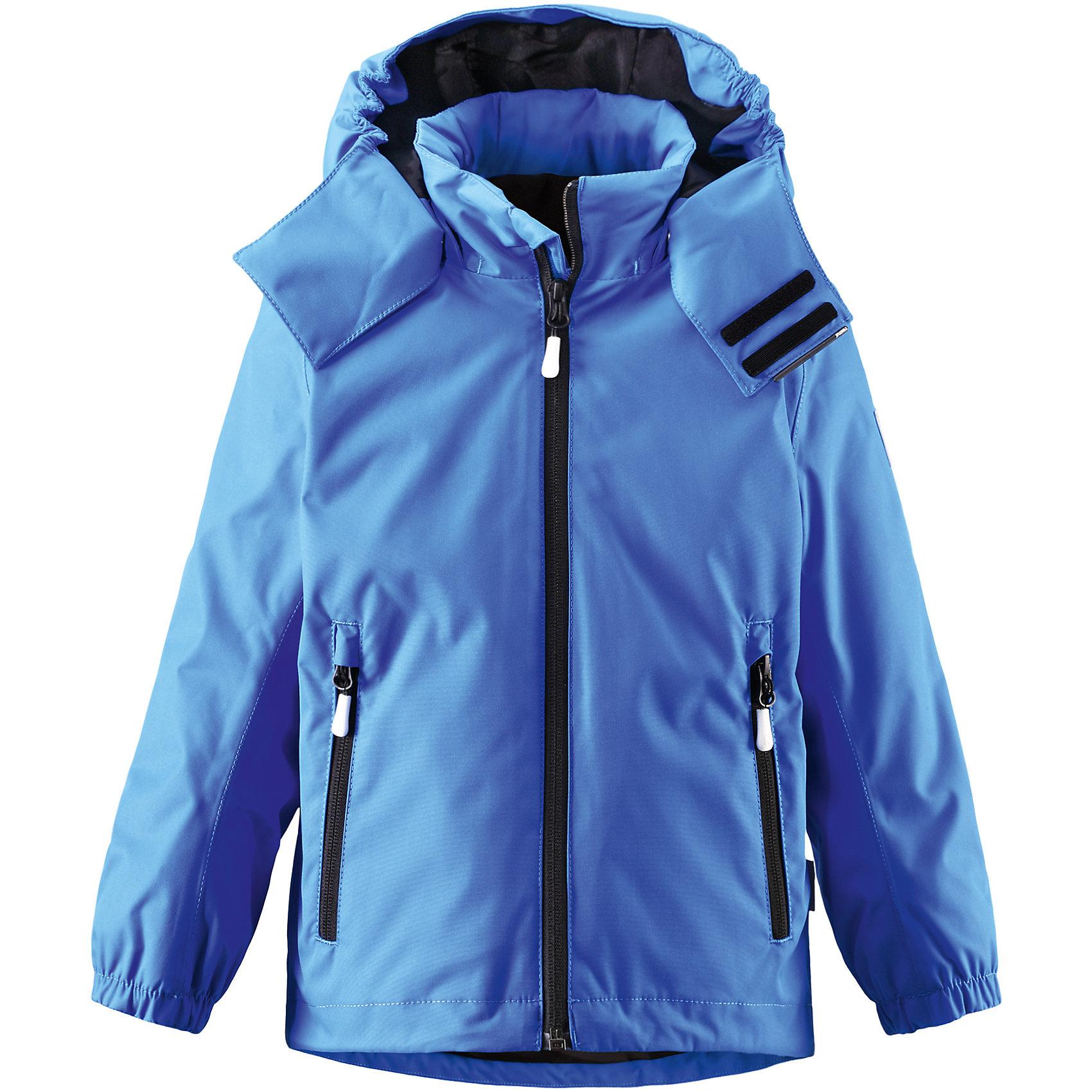 Куртка Roundtrip  Reimatec® ReimaОдежда<br>Характеристики товара:<br><br>• цвет: синий<br>• состав: 100% полиэстер, полиуретановое покрытие<br>• температурный режим: -15° до +5° градусов<br>• внутренняя флисовая куртка<br>• водонепроницаемая мембрана: от 10000 мм<br>• основные швы проклеены<br>• съёмный капюшон<br>• молния<br>• светоотражающие детали<br>• «дышащий» материал<br>• ветро- водо- и грязеотталкивающий материал<br>• кнопки Reima® Play Layers <br>• карманы<br>• комфортная посадка<br>• страна производства: Китай<br>• страна бренда: Финляндия<br><br>Верхняя одежда для детей может быть модной и комфортной одновременно! Эти зимняя куртка поможет обеспечить ребенку комфорт и тепло. Она отлично смотрится с различной одеждой и обувью. Изделие удобно сидит и модно выглядит. Стильный дизайн разрабатывался специально для детей. Отличный вариант для активного отдыха зимой!<br><br>Одежда и обувь от финского бренда Reima пользуется популярностью во многих странах. Эти изделия стильные, качественные и удобные. Для производства продукции используются только безопасные, проверенные материалы и фурнитура. Порадуйте ребенка модными и красивыми вещами от Reima! <br><br>Куртку Roundtrip от финского бренда Reimatec® Reima (Рейма) можно купить в нашем интернет-магазине.<br><br>Ширина мм: 356<br>Глубина мм: 10<br>Высота мм: 245<br>Вес г: 519<br>Цвет: синий<br>Возраст от месяцев: 24<br>Возраст до месяцев: 36<br>Пол: Унисекс<br>Возраст: Детский<br>Размер: 98,116,122,110,128,134,104,140<br>SKU: 5415483