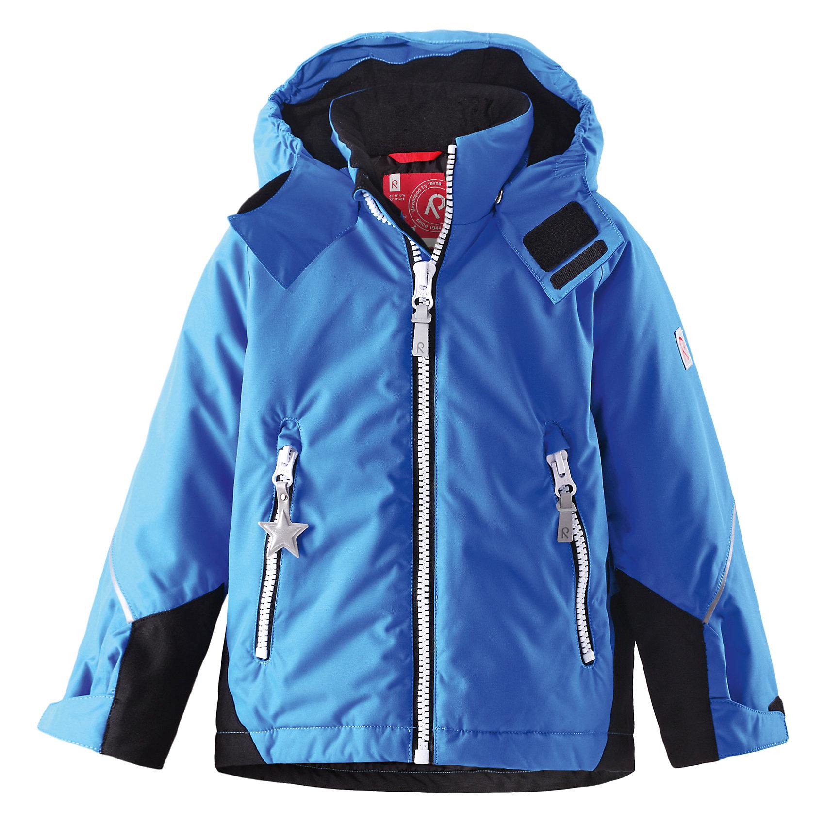 Куртка Kiddo  ReimaОдежда<br>Характеристики товара:<br><br>• цвет: синий<br>• состав: 100% полиэстер, полиуретановое покрытие<br>• температурный режим: 0° до -20° градусов<br>• утеплитель: 160 г<br>• водонепроницаемая мембрана: от 5000 мм<br>• основные швы проклеены<br>• съёмный капюшон<br>• молния<br>• светоотражающие детали<br>• «дышащий» материал<br>• ветро- водо- и грязеотталкивающий материал<br>• кнопки Reima® Play Layers <br>• карманы<br>• комфортная посадка<br>• страна производства: Китай<br>• страна бренда: Финляндия<br><br>Верхняя одежда для детей может быть модной и комфортной одновременно! Эти зимняя куртка поможет обеспечить ребенку комфорт и тепло. Она отлично смотрится с различной одеждой и обувью. Изделие удобно сидит и модно выглядит. Стильный дизайн разрабатывался специально для детей. Отличный вариант для активного отдыха зимой!<br><br>Одежда и обувь от финского бренда Reima пользуется популярностью во многих странах. Эти изделия стильные, качественные и удобные. Для производства продукции используются только безопасные, проверенные материалы и фурнитура. Порадуйте ребенка модными и красивыми вещами от Reima! <br><br>Куртку Kiddo от финского бренда Reimatec® Reima (Рейма) можно купить в нашем интернет-магазине.<br><br>Ширина мм: 356<br>Глубина мм: 10<br>Высота мм: 245<br>Вес г: 519<br>Цвет: синий<br>Возраст от месяцев: 18<br>Возраст до месяцев: 24<br>Пол: Унисекс<br>Возраст: Детский<br>Размер: 92<br>SKU: 5415496