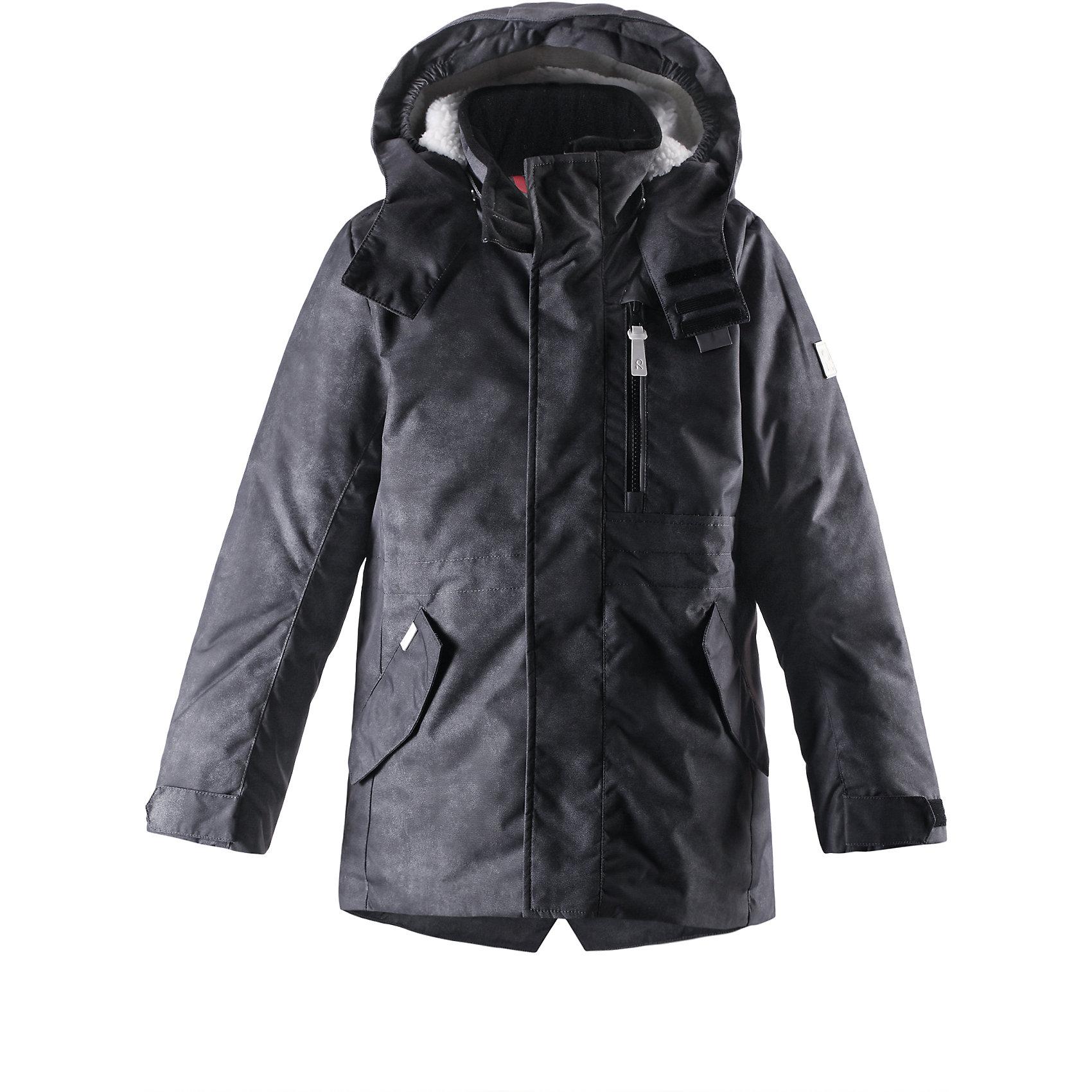 Куртка Tasan для мальчика ReimaХарактеристики товара:<br><br>• цвет: черный<br>• состав: 100% полиэстер, полиуретановое покрытие<br>• температурный режим: от 0°до -20°С<br>• утеплитель: 140 г<br>• застежка: безопасная молния<br>• регулируемая талия<br>• водоотталкивающий материал<br>• отстегивающийся капюшон<br>• планка от ветра<br>• карманы<br>• высокий воротник<br>• комфортная посадка<br>• страна производства: Китай<br>• страна бренда: Финляндия<br><br>Верхняя одежда для детей может быть модной и комфортной одновременно! Утепленная куртка поможет обеспечить ребенку комфорт и тепло. Она отлично смотрится с различной одеждой и обувью. Изделие удобно сидит и модно выглядит. Стильный дизайн разрабатывался специально для детей. Отличный вариант для активного отдыха зимой!<br><br>Одежда и обувь от финского бренда Reima пользуется популярностью во многих странах. Эти изделия стильные, качественные и удобные. Для производства продукции используются только безопасные, проверенные материалы и фурнитура. Порадуйте ребенка модными и красивыми вещами от Reima! <br><br>Куртку Tasan для мальчика от финского бренда Reimatec® Reima (Рейма) можно купить в нашем интернет-магазине.<br><br>Ширина мм: 356<br>Глубина мм: 10<br>Высота мм: 245<br>Вес г: 519<br>Цвет: черный<br>Возраст от месяцев: 60<br>Возраст до месяцев: 72<br>Пол: Унисекс<br>Возраст: Детский<br>Размер: 116,140,152,128,134,104,122,110<br>SKU: 5415560