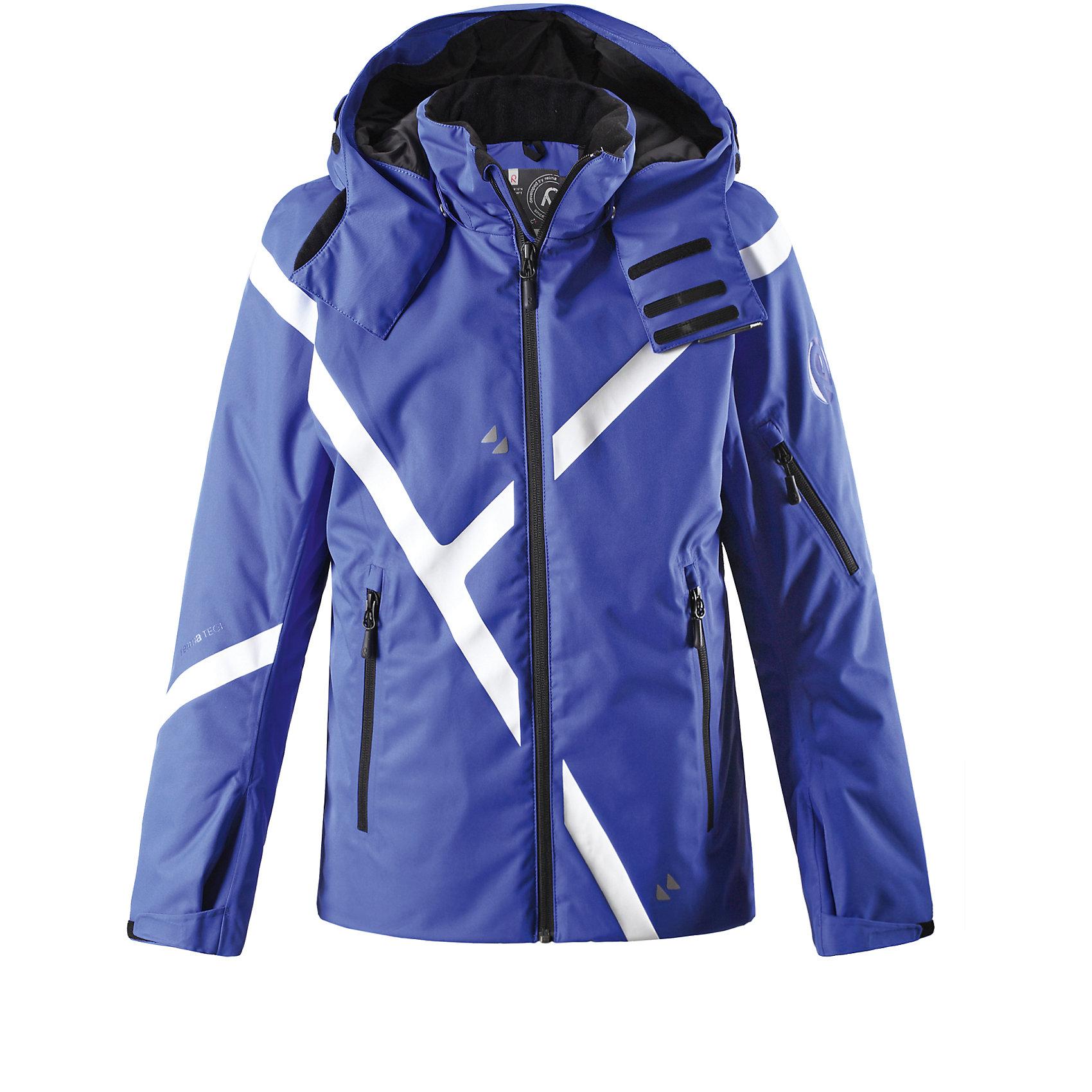 Куртка Trailing для мальчика Reimatec® ReimaОдежда<br>Характеристики товара:<br><br>• цвет: синий<br>• состав: 100% полиамид, полиуретановое покрытие<br>• температурный режим: от 0°до -15°С<br>• утеплитель: пух Primaloft, 100 г<br>• застежка: безопасная молния<br>• внутренние манжеты из лайкры<br>• водо- и грязеотталкивающий материал<br>• ветронепроницаемый и «дышащий» материал<br>• отстегивающийся капюшон<br>• блокировка от снега со специальным соединителем для брюк и куртки<br>• внутренний нагрудный карман и петли для проводов от наушников<br>• карманы<br>• высокий воротник<br>• комфортная посадка<br>• страна производства: Китай<br>• страна бренда: Финляндия<br><br>Верхняя одежда для детей может быть модной и комфортной одновременно! Утепленная куртка поможет обеспечить ребенку комфорт и тепло. Она отлично смотрится с различной одеждой и обувью. Изделие удобно сидит и модно выглядит. Стильный дизайн разрабатывался специально для детей. Отличный вариант для активного отдыха зимой!<br><br>Одежда и обувь от финского бренда Reima пользуется популярностью во многих странах. Эти изделия стильные, качественные и удобные. Для производства продукции используются только безопасные, проверенные материалы и фурнитура. Порадуйте ребенка модными и красивыми вещами от Reima! <br><br>Куртку Trailing для мальчика от финского бренда Reimatec® Reima (Рейма) можно купить в нашем интернет-магазине.<br><br>Ширина мм: 356<br>Глубина мм: 10<br>Высота мм: 245<br>Вес г: 519<br>Цвет: синий<br>Возраст от месяцев: 108<br>Возраст до месяцев: 120<br>Пол: Унисекс<br>Возраст: Детский<br>Размер: 140<br>SKU: 5415569