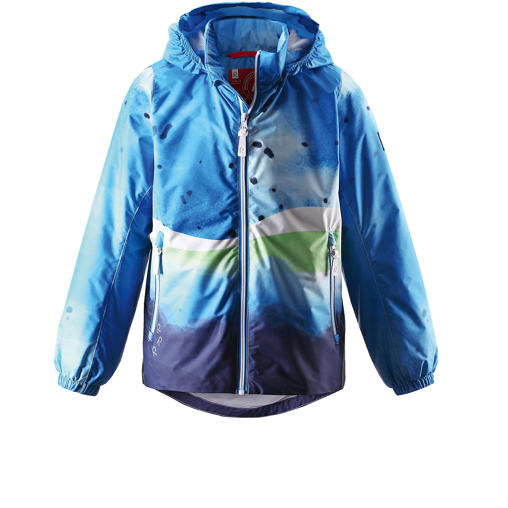 Куртка Liquid для мальчика ReimaОдежда<br>Характеристики товара:<br><br>• цвет: синий<br>• состав: 100% полиэстер, полиуретановое покрытие<br>• температурный режим: от +5С до +15С<br>• без утеплителя<br>• эластичные манжеты<br>• водонепроницаемость: 5000 мм<br>• воздухопроводимость: 3 000 г/м2/24ч<br>• дышащий материал верха<br>• принт<br>• застежка: молния<br>• удлиненная спинка<br>• отстегивающийся капюшон<br>• карманы на молнии<br>• высокий воротник<br>• логотип<br>• комфортная посадка<br>• страна производства: Китай<br>• страна бренда: Финляндия<br><br>Верхняя одежда для детей может быть модной и комфортной одновременно! Демисезонная куртка поможет обеспечить ребенку комфорт и тепло. Она отлично смотрится с различной одеждой и обувью. Изделие удобно сидит и модно выглядит. Материал - прочный, хорошо подходящий для межсезонья. Стильный дизайн разрабатывался специально для детей.<br><br>Одежда и обувь от финского бренда Reima пользуется популярностью во многих странах. Эти изделия стильные, качественные и удобные. Для производства продукции используются только безопасные, проверенные материалы и фурнитура. Порадуйте ребенка модными и красивыми вещами от Reima! <br><br>Куртку Liquid для мальчика от финского бренда Reima (Рейма) можно купить в нашем интернет-магазине.<br><br>Ширина мм: 356<br>Глубина мм: 10<br>Высота мм: 245<br>Вес г: 519<br>Цвет: синий<br>Возраст от месяцев: 108<br>Возраст до месяцев: 120<br>Пол: Унисекс<br>Возраст: Детский<br>Размер: 140,134,128<br>SKU: 5415573