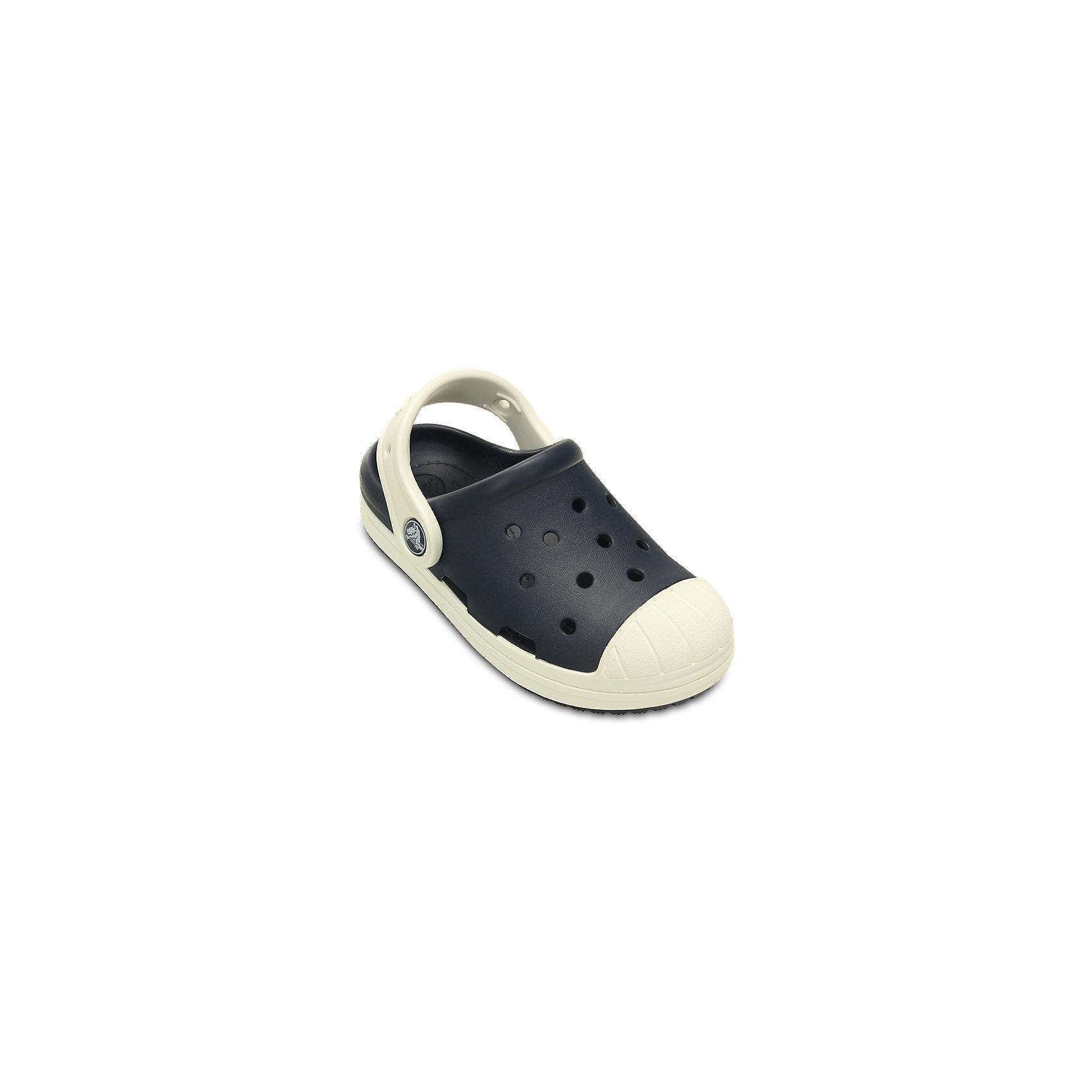 Сабо CROCS Bump It Clog, черныйПляжная обувь<br>Характеристики товара:<br><br>• цвет: черный<br>• материал: 100% полимер Croslite™<br>• литая модель<br>• вентиляционные отверстия<br>• бактериостатичный материал<br>• пяточный ремешок фиксирует стопу<br>• толстая устойчивая подошва<br>• страна бренда: США<br>• страна изготовитель: Китай<br><br>Сабо Kids' Crocs обеспечивают детям необходимый комфорт, а анатомическая стелька с массажными линиями для стимуляции кровообращения позволяет ножкам дольше не уставать. <br><br>Сабо легко надеваются и снимаются, отлично сидят на ноге. <br><br>Материал, из которого они сделаны, не дает размножаться бактериям, поэтому такая обувь препятствует образованию неприятного запаха и появлению болезней стоп. <br><br>Изделие производится из качественных и проверенных материалов, которые безопасны для детей.<br><br>Сабо Kids' Crocs Bump It Clog от торговой марки Crocs можно купить в нашем интернет-магазине.<br><br>Ширина мм: 225<br>Глубина мм: 139<br>Высота мм: 112<br>Вес г: 290<br>Цвет: серый<br>Возраст от месяцев: 36<br>Возраст до месяцев: 48<br>Пол: Унисекс<br>Возраст: Детский<br>Размер: 34/35,27,28,29,30,23,24,25,26,31/32,33/34<br>SKU: 5416322