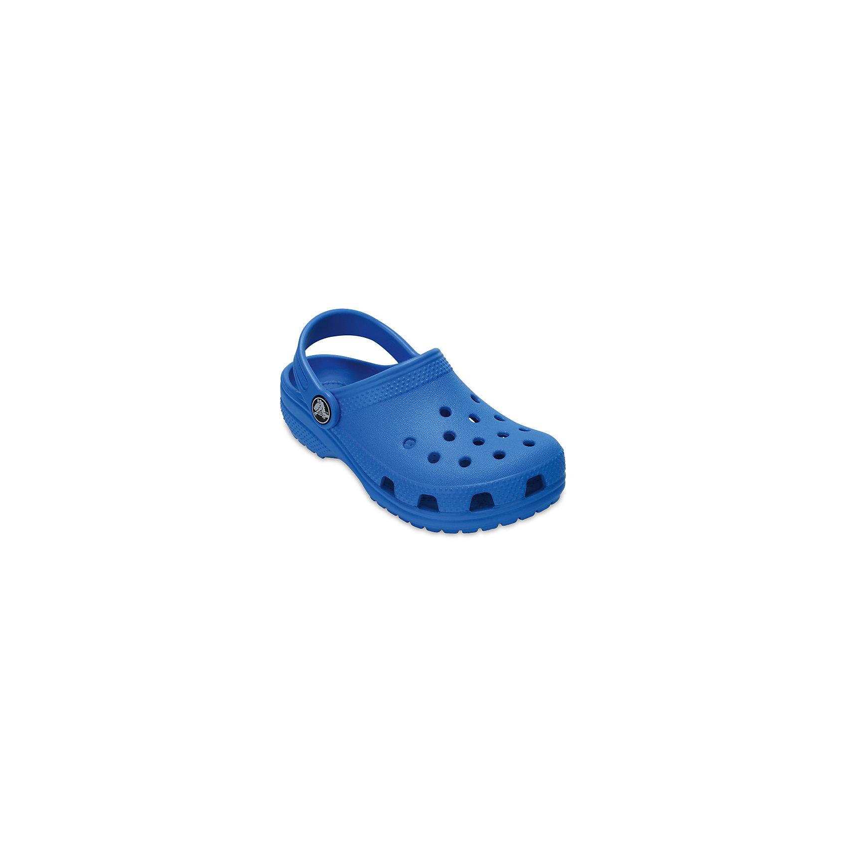 Сабо Classic clog, CROCSПляжная обувь<br>Характеристики товара:<br><br>• цвет: синий<br>• сезон: лето<br>• тип: пляжная обувь<br>• материал: 100% полимер Croslite™<br>• литая модель<br>• вентиляционные отверстия<br>• бактериостатичный материал<br>• пяточный ремешок фиксирует стопу<br>• толстая устойчивая подошва<br>• отверстия для использования украшений<br>• анатомическая стелька с массажными точками<br>• страна бренда: США<br>• страна изготовитель: Китай<br><br>Сабо Classic clog обеспечивают детям необходимый комфорт, а анатомическая стелька с массажными линиями для стимуляции кровообращения позволяет ножкам дольше не уставать. <br><br>Материал, из которого они сделаны, не дает размножаться бактериям, поэтому такая обувь препятствует образованию неприятного запаха и появлению болезней стоп. <br><br>Обувь от американского бренда Crocs в данный момент завоевала широкую популярность во всем мире, и это не удивительно - ведь она невероятно удобна. <br><br>Сабо Classic clog от торговой марки Crocs можно купить в нашем интернет-магазине.<br><br>Ширина мм: 225<br>Глубина мм: 139<br>Высота мм: 112<br>Вес г: 290<br>Цвет: голубой<br>Возраст от месяцев: 48<br>Возраст до месяцев: 60<br>Пол: Унисекс<br>Возраст: Детский<br>Размер: 28,29,30,21,22,23,24,25,26,31/32,33/34,34/35,27<br>SKU: 5416414