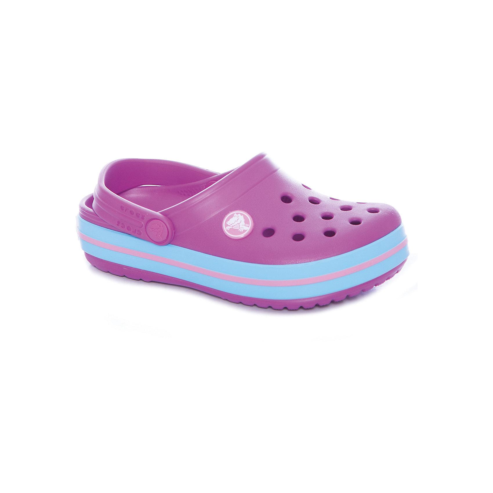 Сабо Crocband™ clog, фиолетовыйПляжная обувь<br>Характеристики товара:<br><br>• цвет: фиолетовый<br>• сезон: лето<br>• материал: 100% полимер Croslite™<br>• литая модель<br>• вентиляционные отверстия<br>• бактериостатичный материал<br>• пяточный ремешок фиксирует стопу<br>• толстая устойчивая подошва<br>• отверстия для использования украшений<br>• анатомическая стелька с массажными точками стимулирует кровообращение<br>• страна бренда: США<br>• страна изготовитель: Китай<br><br>Для правильного развития ребенка крайне важно, чтобы обувь была удобной. <br><br>Такие сабо обеспечивают детям необходимый комфорт, а анатомическая стелька с массажными линиями для стимуляции кровообращения позволяет ножкам дольше не уставать. <br><br>Сабо легко надеваются и снимаются, отлично сидят на ноге. <br><br>Материал, из которого они сделаны, не дает размножаться бактериям, поэтому такая обувь препятствует образованию неприятного запаха и появлению болезней стоп.<br><br>Обувь от американского бренда Crocs в данный момент завоевала широкую популярность во всем мире, и это не удивительно - ведь она невероятно удобна. <br><br>Её носят врачи, спортсмены, звёзды шоу-бизнеса, люди, которым много времени приходится бывать на ногах - они понимают, как важна комфортная обувь. <br><br>Продукция Crocs - это качественные товары, созданные с применением новейших технологий. <br><br>Обувь отличается стильным дизайном и продуманной конструкцией. <br><br>Изделие производится из качественных и проверенных материалов, которые безопасны для детей.<br><br>Сабо Crocband™ clog от торговой марки Crocs можно купить в нашем интернет-магазине.<br><br>Ширина мм: 225<br>Глубина мм: 139<br>Высота мм: 112<br>Вес г: 290<br>Цвет: лиловый<br>Возраст от месяцев: 21<br>Возраст до месяцев: 24<br>Пол: Унисекс<br>Возраст: Детский<br>Размер: 24,34/35,25,26,33/34,27,28,29,30,21,22,23,31/32<br>SKU: 5416524