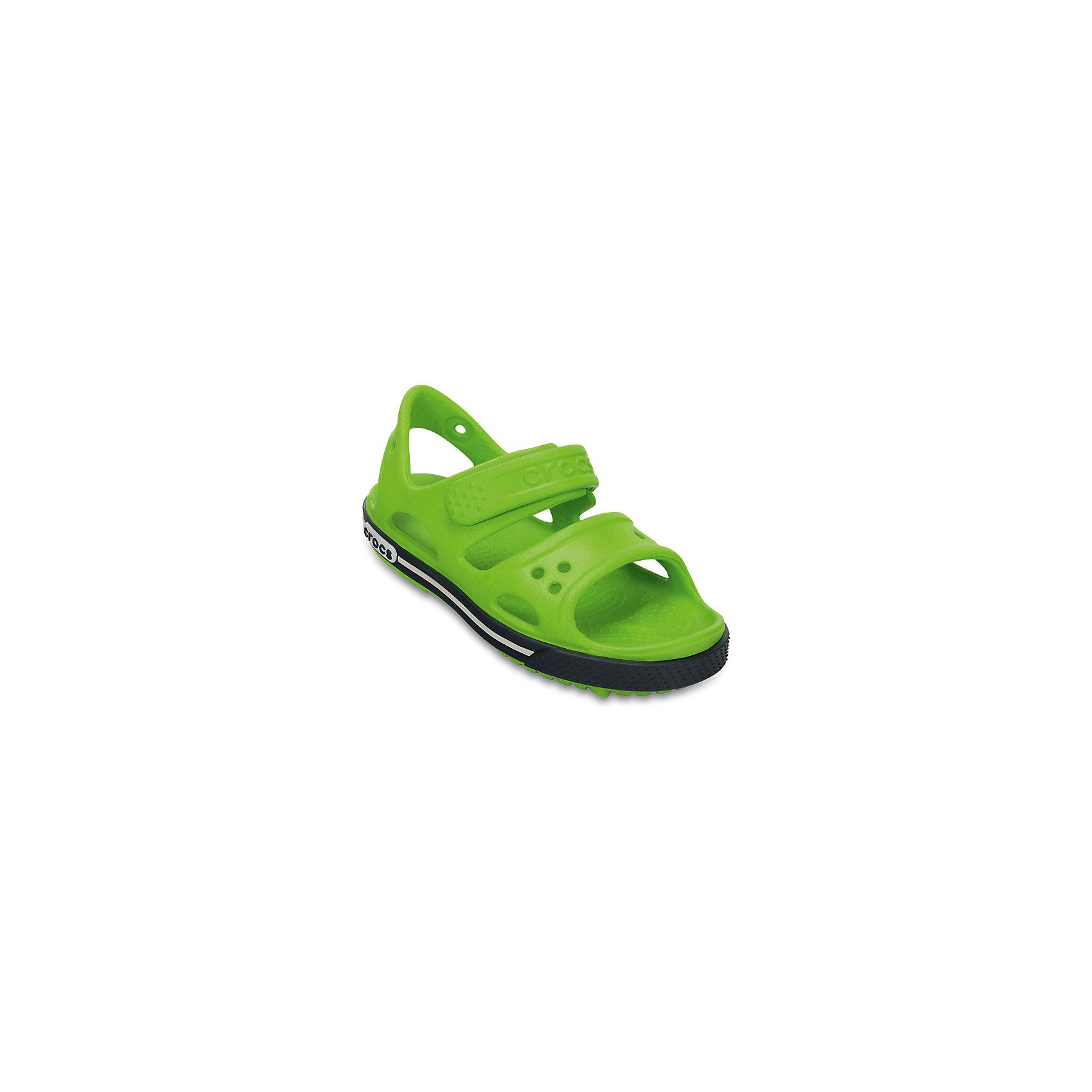 Сандалии для мальчика CROCSПляжная обувь<br>Характеристики товара:<br><br>• цвет: зеленый<br>• материал: 100% полимер Croslite™<br>• бактериостатичный материал<br>• ремешок фиксирует стопу<br>• антискользящая устойчивая подошва<br>• анатомическая стелька с массажными точками стимулирует кровообращение<br>• страна бренда: США<br>• страна изготовитель: Китай<br><br>Для правильного развития ребенка крайне важно, чтобы обувь была удобной. Такие сандалии обеспечивают детям необходимый комфорт, а анатомическая стелька с массажными линиями для стимуляции кровообращения позволяет ножкам дольше не уставать. Сандалии легко надеваются и снимаются, отлично сидят на ноге. Материал, из которого они сделаны, не дает размножаться бактериям, поэтому такая обувь препятствует образованию неприятного запаха и появлению болезней стоп.<br>Обувь от американского бренда Crocs в данный момент завоевала широкую популярность во всем мире, и это не удивительно - ведь она невероятно удобна. Её носят врачи, спортсмены, звёзды шоу-бизнеса, люди, которым много времени приходится бывать на ногах - они понимают, как важна комфортная обувь. Продукция Crocs - это качественные товары, созданные с применением новейших технологий. Обувь отличается стильным дизайном и продуманной конструкцией. Изделие производится из качественных и проверенных материалов, которые безопасны для детей.<br><br>Сандалии для мальчика от торговой марки Crocs можно купить в нашем интернет-магазине.<br><br>Ширина мм: 219<br>Глубина мм: 154<br>Высота мм: 121<br>Вес г: 343<br>Цвет: зеленый<br>Возраст от месяцев: 132<br>Возраст до месяцев: 144<br>Пол: Мужской<br>Возраст: Детский<br>Размер: 34/35,29,27,28,30,21,22,23,24,25,26,31/32,33/34<br>SKU: 5416633