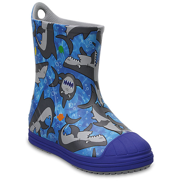 Резиновые сапогиKids' Crocs Bump It Graphic Rain Boot, синийРезиновые сапоги<br>Характеристики товара:<br><br>• цвет: синий<br>• принт: Акула<br>• сезон: демисезон, лето<br>• материал: 100% полимер Croslite™<br>• непромокаемые<br>• температурный режим: от 0° до +20° С<br>• легко очищаются<br>• антискользящая подошва<br>• язычок для удобного надевания<br>• толстая устойчивая подошва<br>• страна бренда: США<br>• страна изготовитель: Китай<br><br>Сапоги могут быть и стильными, и непромокаемыми! <br><br>Для детской обуви крайне важно, чтобы она была удобной. <br><br>Такие сапоги обеспечивают детям необходимый комфорт, а надежный материал не пропускает внутрь воду. <br><br>Сапоги легко надеваются и снимаются, отлично сидят на ноге. <br><br>Материал, из которого они сделаны, не дает размножаться бактериям, поэтому такая обувь препятствует образованию неприятного запаха и появлению болезней стоп. <br><br>Данная модель особенно понравится детям - ведь в них можно бегать по лужам!<br><br>Резиновые сапоги Kids' Crocs Bump It Graphic Rain Boot от торговой марки Crocs можно купить в нашем интернет-магазине.<br><br>Ширина мм: 237<br>Глубина мм: 180<br>Высота мм: 152<br>Вес г: 438<br>Цвет: синий<br>Возраст от месяцев: 72<br>Возраст до месяцев: 84<br>Пол: Унисекс<br>Возраст: Детский<br>Размер: 30,24,23,29,28,34/35,27,33/34,31/32,26,25<br>SKU: 5416748