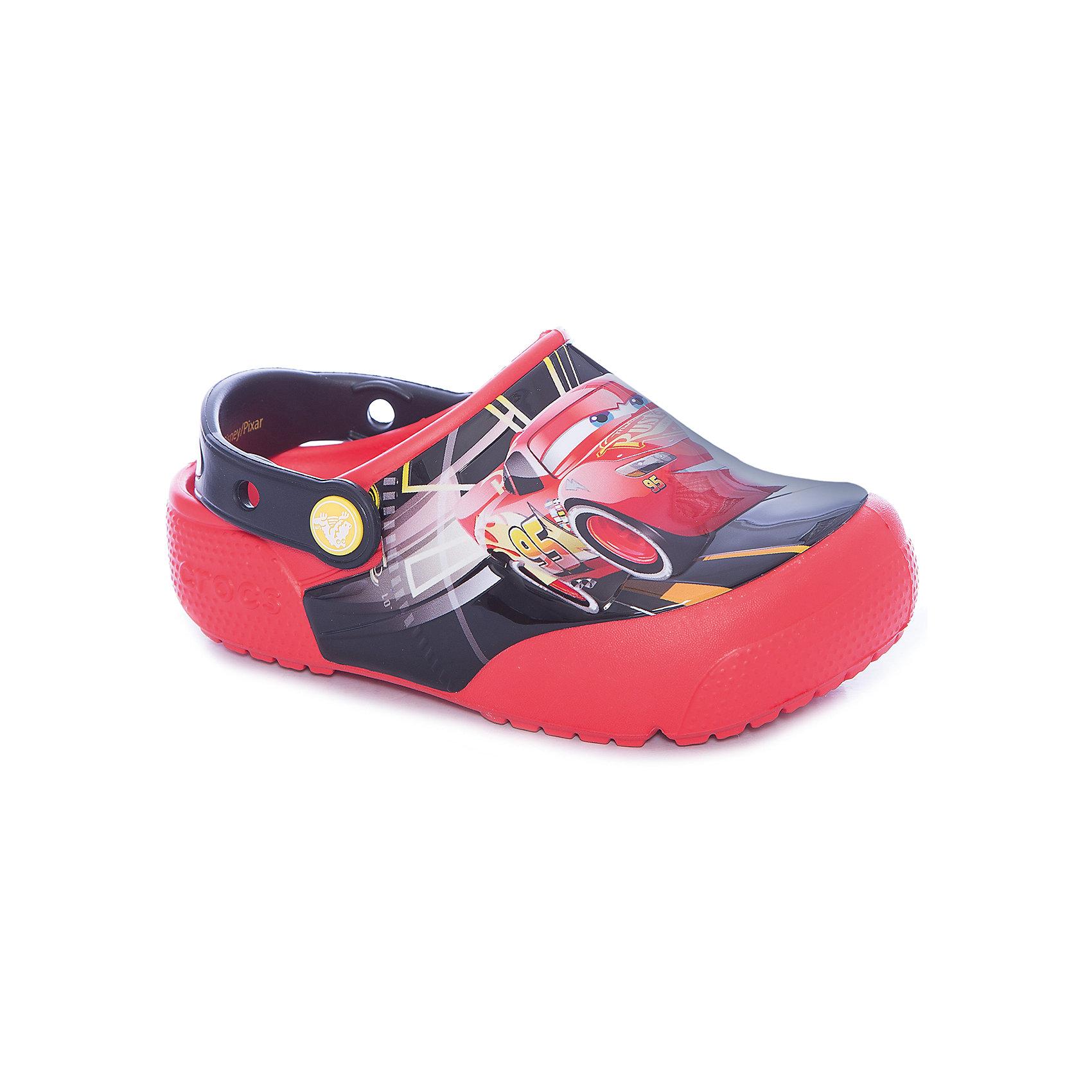 Сабо Kids Classic Cars, CROCSПляжная обувь<br>Характеристики товара:<br><br>• цвет: красный<br>• принт: Тачки<br>• сезон: лето<br>• тип: пляжная обувь<br>• материал: 100% полимер Croslite™<br>• под воздействием температуры тела принимают форму стопы<br>• полностью литая модель<br>• вентиляционные отверстия<br>• бактериостатичный материал<br>• пяточный ремешок фиксирует стопу<br>• отверстия для использования украшений<br>• анатомическая стелька с массажными точками<br>• страна бренда: США<br>• страна изготовитель: Китай<br><br>Для правильного развития ребенка крайне важно, чтобы обувь была удобной.<br><br>Такие сабо обеспечивают детям необходимый комфорт, а анатомическая стелька с массажными линиями для стимуляции кровообращения позволяет ножкам дольше не уставать. <br><br>Сабо легко надеваются и снимаются, отлично сидят на ноге. <br><br>Материал, из которого они сделаны, не дает размножаться бактериям, поэтому такая обувь препятствует образованию неприятного запаха и появлению болезней стоп.<br><br>Обувь от американского бренда Crocs в данный момент завоевала широкую популярность во всем мире, и это не удивительно - ведь она невероятно удобна. <br><br>Её носят врачи, спортсмены, звёзды шоу-бизнеса, люди, которым много времени приходится бывать на ногах - они понимают, как важна комфортная обувь. <br><br>Продукция Crocs - это качественные товары, созданные с применением новейших технологий. <br><br>Обувь отличается стильным дизайном и продуманной конструкцией. Изделие производится из качественных и проверенных материалов, которые безопасны для детей.<br><br>Сабо Kids Classic от торговой марки Crocs можно купить в нашем интернет-магазине.<br><br>Ширина мм: 225<br>Глубина мм: 139<br>Высота мм: 112<br>Вес г: 290<br>Цвет: красный<br>Возраст от месяцев: 132<br>Возраст до месяцев: 144<br>Пол: Унисекс<br>Возраст: Детский<br>Размер: 34/35,29,27,28,30,21,22,23,24,25,26,31/32,33/34<br>SKU: 5416976