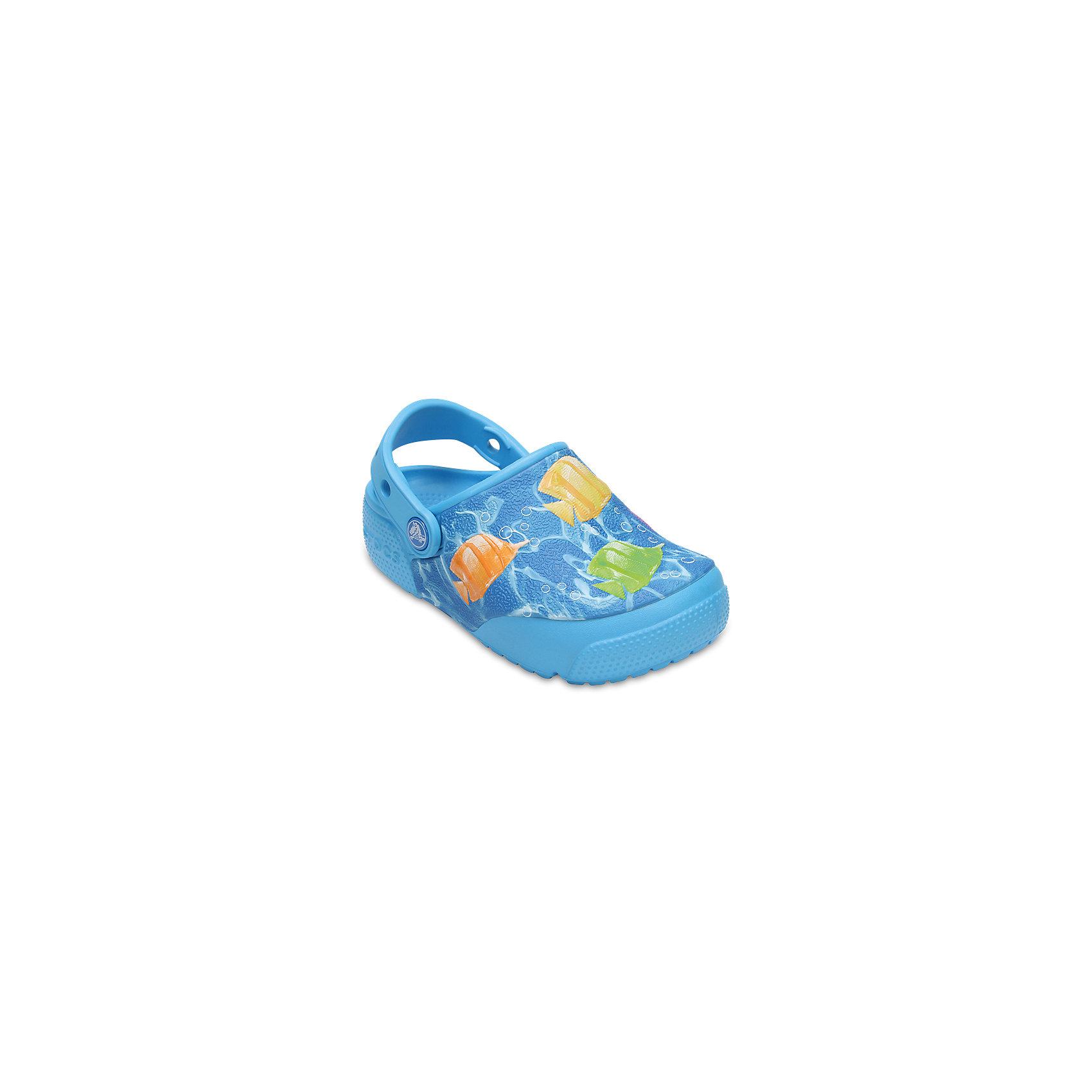 Сабо Kids Classic, CROCSПляжная обувь<br>• сезон: лето<br>• тип: пляжная обувь<br>• материал: 100% полимер Croslite™<br>• под воздействием температуры тела принимают форму стопы<br>• полностью литая модель<br>• вентиляционные отверстия<br>• бактериостатичный материал<br>• пяточный ремешок фиксирует стопу<br>• отверстия для использования украшений<br>• анатомическая стелька с массажными точками<br>• страна бренда: США<br>• страна изготовитель: Китай<br><br>Для правильного развития ребенка крайне важно, чтобы обувь была удобной. <br><br>Такие сабо обеспечивают детям необходимый комфорт, а анатомическая стелька с массажными линиями для стимуляции кровообращения позволяет ножкам дольше не уставать. <br><br>Сабо легко надеваются и снимаются, отлично сидят на ноге. <br><br>Материал, из которого они сделаны, не дает размножаться бактериям, поэтому такая обувь препятствует образованию неприятного запаха и появлению болезней стоп.<br><br>Обувь от американского бренда Crocs в данный момент завоевала широкую популярность во всем мире, и это не удивительно - ведь она невероятно удобна. <br><br>Сабо Kids Classic от торговой марки Crocs можно купить в нашем интернет-магазине.<br><br>Ширина мм: 225<br>Глубина мм: 139<br>Высота мм: 112<br>Вес г: 290<br>Цвет: синий<br>Возраст от месяцев: 96<br>Возраст до месяцев: 108<br>Пол: Унисекс<br>Возраст: Детский<br>Размер: 31/32,33/34,34/35,27,28,29,30,21,22,23,24,25,26<br>SKU: 5416990