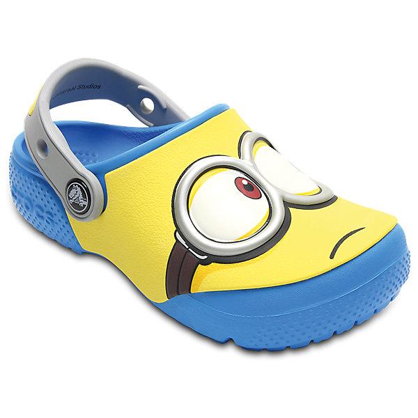 Сабо Kids Crocs Fun Lab Minions ClogsПляжная обувь<br>Характеристики товара:<br><br>• цвет: желтый<br>• сезон: лето<br>• тип: пляжная обувь<br>• материал: 100% полимер Croslite™<br>• под воздействием температуры тела принимают форму стопы<br>• полностью литая модель<br>• вентиляционные отверстия<br>• бактериостатичный материал<br>• пяточный ремешок фиксирует стопу<br>• отверстия для использования украшений<br>• анатомическая стелька с массажными точками<br>• страна бренда: США<br>• страна изготовитель: Китай<br><br>Обувь от американского бренда Crocs в данный момент завоевала широкую популярность во всем мире, и это не удивительно - ведь она невероятно удобна. <br><br>Её носят врачи, спортсмены, звёзды шоу-бизнеса, люди, которым много времени приходится бывать на ногах - они понимают, как важна комфортная обувь. <br><br>Продукция Crocs - это качественные товары, созданные с применением новейших технологий. <br><br>Обувь отличается стильным дизайном и продуманной конструкцией. <br><br>Изделие производится из качественных и проверенных материалов, которые безопасны для детей.<br><br>Сабо Kids Crocs Fun Lab Minions Clogs можно купить в нашем интернет-магазине.<br><br>Ширина мм: 225<br>Глубина мм: 139<br>Высота мм: 112<br>Вес г: 290<br>Цвет: синий<br>Возраст от месяцев: 24<br>Возраст до месяцев: 24<br>Пол: Унисекс<br>Возраст: Детский<br>Размер: 25,27,34/35,33/34,31/32,26,24,23,22,21,30,29,28<br>SKU: 5417004