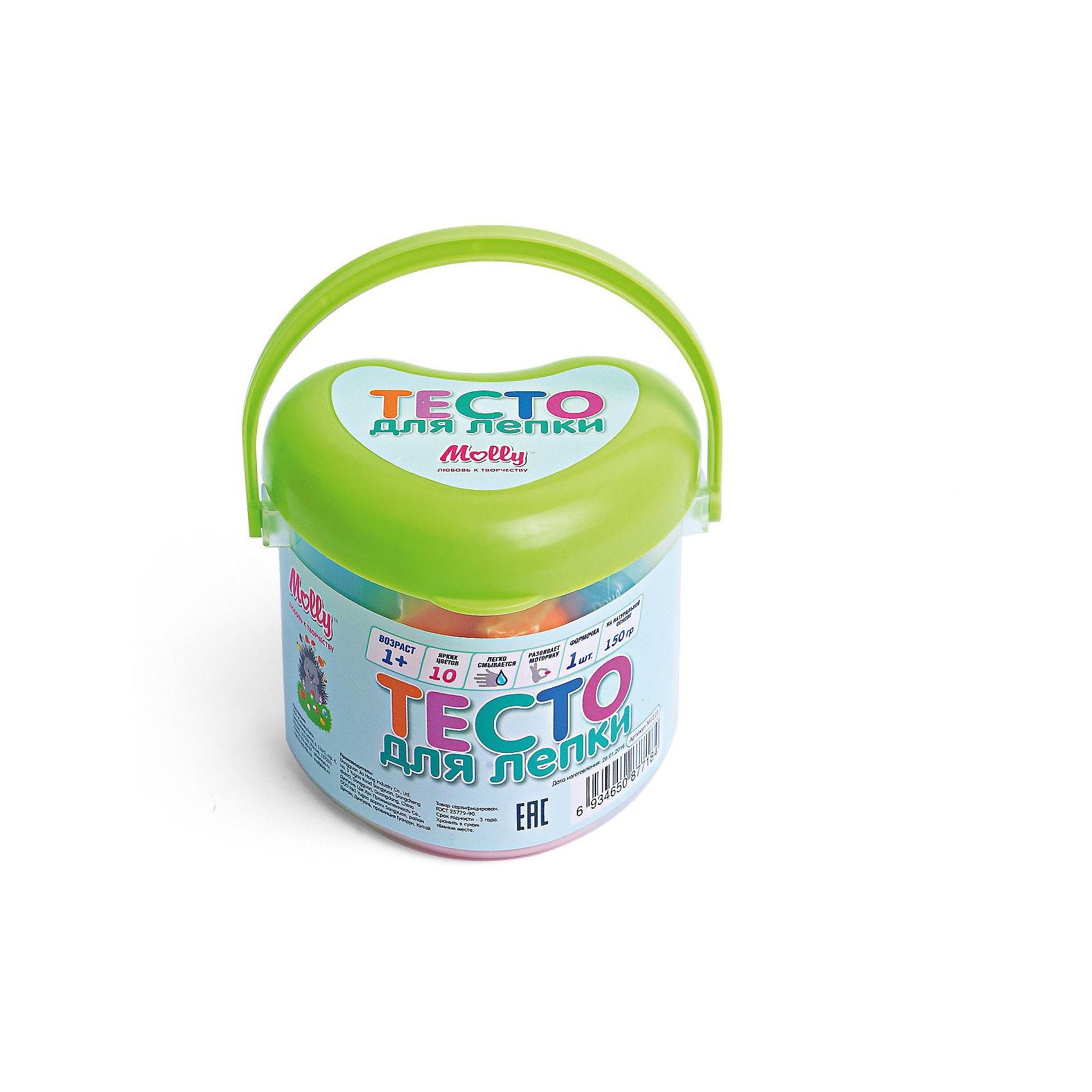 Тесто для лепки 10 цветов + формочкаЛепка<br>Тесто для лепки 10 цветов + формочка. <br><br>Характеристика: <br><br>• Состав: пшеничная мука крахмал, вода, соль, пищевая добавка, пищевая краситель.<br>• Размер упаковки: 8х8х6 см.  <br>• Комплектация: тесто (10 цветов), формочка (1 шт). <br>• Яркие, насыщенные цвета. <br>• 10 цветов (по 15 гр.) - синий, голубой, оранжевый, желтый, красный, розовый, белый, сиреневый, темно зеленый, светло-зеленый.<br>• Легко смывается с одежды и рук. <br>• Безопасно при проглатывании. <br>• Отлично развивает моторику рук, внимание, мышление и воображение. <br>• Удобная упаковка в виде ведерка с ручкой для переноски. <br><br>Мягкое тесто для лепки - отличный подарок для малыша. Тесто изготовлено из натуральных материалов, с использованием абсолютно безопасных для детей красителей, легко смывается с одежды и рук. Лепка - прекрасный вид детского досуга, помогающий развить мелкую моторику, цветовосприятие, воображение и мышление.<br><br>Тесто для лепки 10 цветов + формочку можно купить в нашем интернет-магазине.<br><br>Ширина мм: 80<br>Глубина мм: 80<br>Высота мм: 60<br>Вес г: 150<br>Возраст от месяцев: 12<br>Возраст до месяцев: 36<br>Пол: Унисекс<br>Возраст: Детский<br>SKU: 5417572
