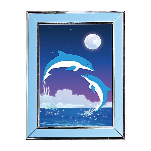 Мозаичная картина ДельфиныМозаика детская<br>Мозаичная картина Дельфины.<br><br>Характеристика: <br><br>• Материал: картон, пластик, клей. <br>• Размер картинки: 17х21 см. <br>• Размер мозаичного элемента: 2,5 мм. <br>• Комплектация: контейнер для элементов мозаики, мозаичные элементы, специальный клеевой карандаш, трафарет со схемой рисунка, декоративная пластиковая рамка с оргстеклом. <br>• Яркие, насыщенные цвета. <br>• Отлично развивает моторику рук, внимание, мышление и воображение. <br><br>Создание картины из мозаики - увлекательное и полезное занятие, в процессе которого ребенок сможет развить моторику рук, внимание, усидчивость, цветовосприятие и воображение. В этом наборе уже есть все для создания маленького шедевра! Нужно лишь приклеить мозаичные элементы на основу с нанесенным контуром - и яркая картинка готова.<br><br>Мозаичную картину Дельфины можно купить в нашем магазине.<br><br>Ширина мм: 200<br>Глубина мм: 225<br>Высота мм: 30<br>Вес г: 250<br>Возраст от месяцев: 84<br>Возраст до месяцев: 144<br>Пол: Унисекс<br>Возраст: Детский<br>SKU: 5417611