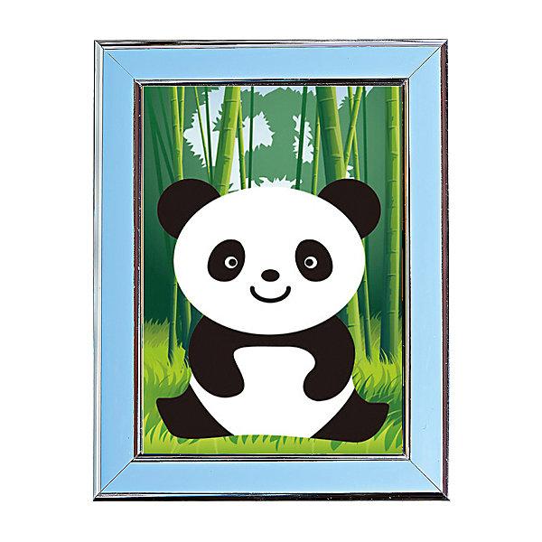 Мозаичная картина ПандаМозаика детская<br>Мозаичная картина Панда.<br><br>Характеристика: <br><br>• Материал: картон, пластик, клей. <br>• Размер картинки: 17х21 см. <br>• Размер мозаичного элемента: 2,5 мм. <br>• Комплектация: контейнер для элементов мозаики, мозаичные элементы, специальный клеевой карандаш, трафарет со схемой рисунка, декоративная пластиковая рамка с оргстеклом. <br>• Яркие, насыщенные цвета. <br>• Отлично развивает моторику рук, внимание, мышление и воображение. <br><br>Создание картины из мозаики - увлекательное и полезное занятие, в процессе которого ребенок сможет развить моторику рук, внимание, усидчивость, цветовосприятие и воображение. В этом наборе уже есть все для создания маленького шедевра! Нужно лишь приклеить мозаичные элементы на основу с нанесенным контуром - и яркая картинка готова.<br><br>Мозаичную картину Панда можно купить в нашем магазине.<br>Ширина мм: 200; Глубина мм: 225; Высота мм: 30; Вес г: 250; Возраст от месяцев: 84; Возраст до месяцев: 36; Пол: Унисекс; Возраст: Детский; SKU: 5417615;
