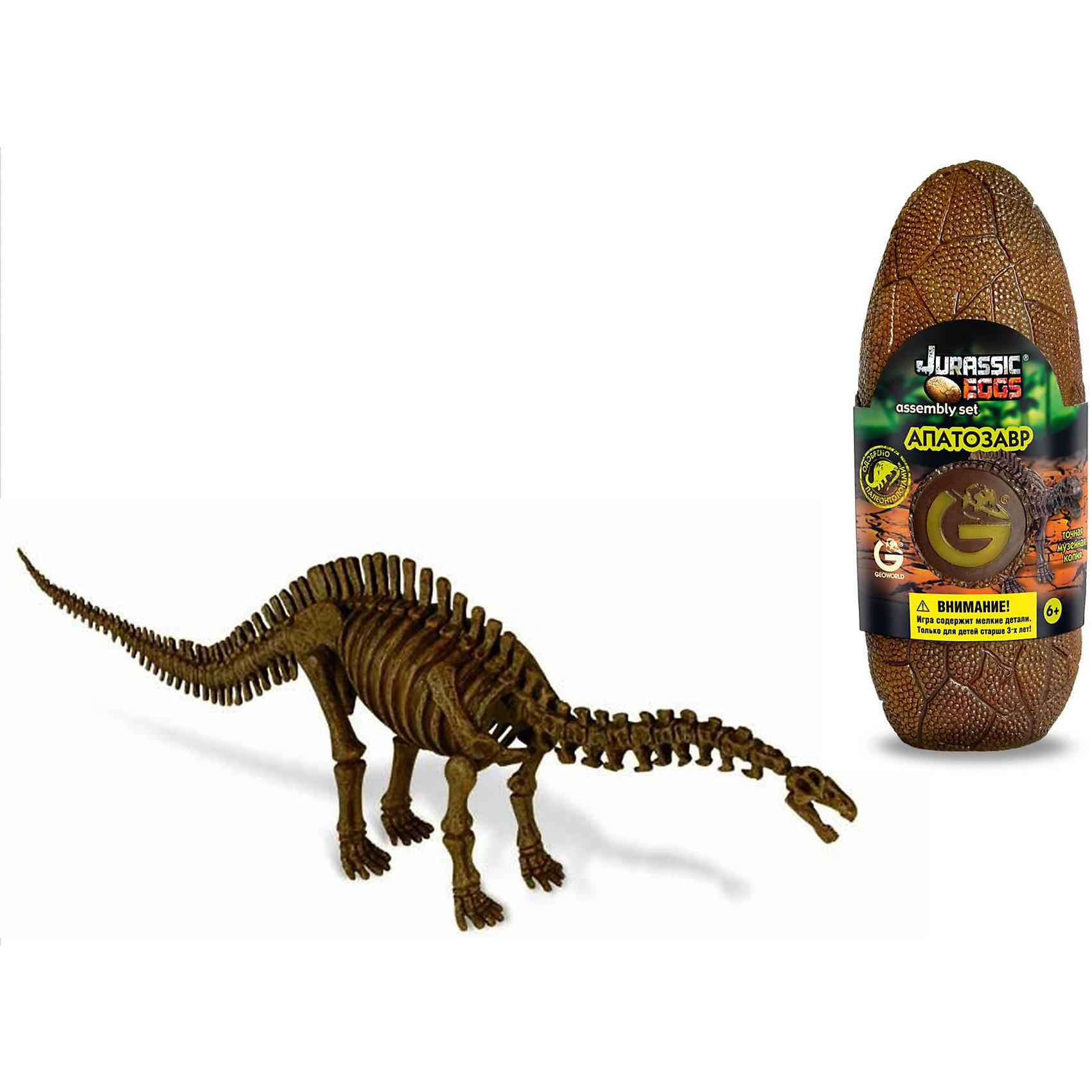 Яйцо динозавра - сборная модель Апатозавра, GeoworldДеревянные конструкторы<br>Апатозавр — длинношеий вымерший ящер, относящийся к крупнейшим из ныне известных. Устаревшее и популярное название этого динозавра — Бронтозавр. Несмотря на огромный размер и мощное строение тела, динозавр обладал относительно маленькой головой. Его мозг весил всего 400 грамм, тогда как общий вес ящера достигал 20-30 тонн. Качественную модель с музейной степенью достоверности ребенок сможет собрать своими руками. Детали для сборки заключены в стилизованное яйцо. Компанией Geoworld управляет настоящей доктор палеонтологии, который лично контролирует достоверность выпускаемых моделей.   Длина собранной модели: 40 см.  детали, яйцо, брошюра.<br><br>Ширина мм: 80<br>Глубина мм: 70<br>Высота мм: 200<br>Вес г: 190<br>Возраст от месяцев: 36<br>Возраст до месяцев: 96<br>Пол: Унисекс<br>Возраст: Детский<br>SKU: 5418986