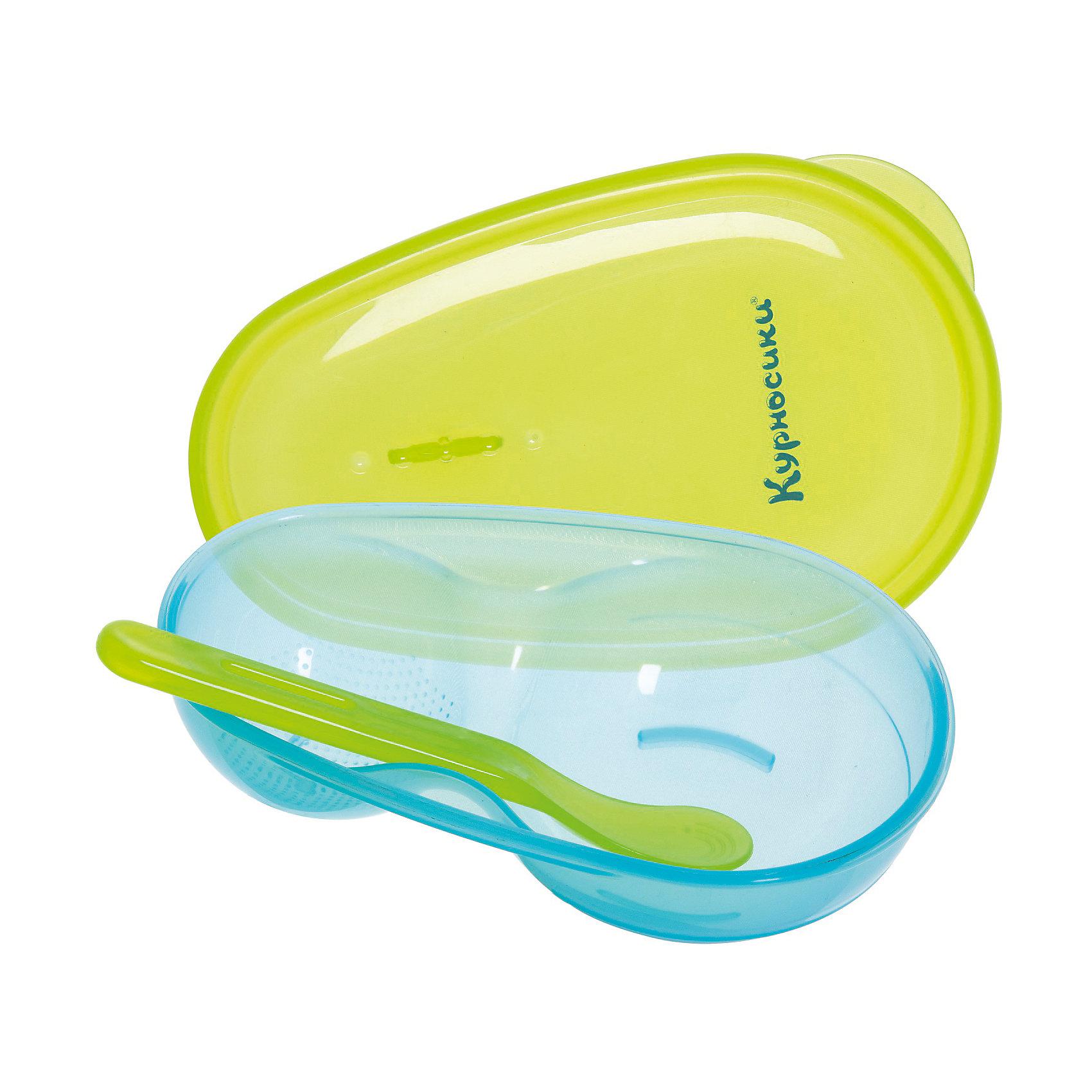 Тарелочка двухсекционная с крышкой и ложечкой, Kurnosiki, голубой/салатовыйПосуда для малышей<br>Характеристики:<br><br>• Наименование: тарелочка для первых блюд<br>• Материал: пластик<br>• Пол: для мальчика<br>• Цвет: голубой/салатовый<br>• Тематика рисунка: без рисунка<br>• Комплектация: тарелка из двух секций, крышка, ложка<br>• Можно использовать как для холодных, так и для горячих блюд<br>• Можно использовать для СВЧ<br>• Вес: 110 г<br>• Параметры (Д*Ш*В): 21*5*14 см <br>• Особенности ухода: разрешается мыть в посудомоечной машине<br><br>Тарелочка двухсекционная с крышкой и ложечкой, Kurnosiki, красный выполнена из безопасного и ударопрочного пластика, устойчивого к появлению царапин и сколов. Две глубокие секции позволяют использовать тарелочку как для первых, так и для вторых блюд. Большая секция имеет ребристую поверхность, что облегчает измельчение и перетирание пищи. <br><br>В комплекте имеется безопасная ложечка, для которой предусмотрено крепление внутри тарелки. Для сохранения свежести пищи у тарелки предусмотрена крышка, которая обеспечивает герметичность. Набор выполнен в ярком цвете, имеет компактный размер и легкий вес, поэтому его удобно брать с собой в длительные поездки, на пикники или в путешествия. <br><br>Тарелочку двухсекционную с крышкой и ложечкой, Kurnosiki, красный можно купить в нашем интернет-магазине.<br><br>Ширина мм: 70<br>Глубина мм: 140<br>Высота мм: 210<br>Вес г: 86<br>Возраст от месяцев: 4<br>Возраст до месяцев: 36<br>Пол: Мужской<br>Возраст: Детский<br>SKU: 5428722