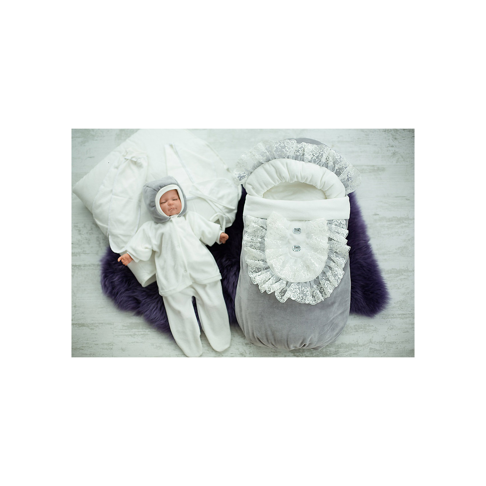 Комплект на выписку 7 пред., GulSara, 84 весна-осень ЖабоКонверты на выписку<br>Характеристики:<br><br>• Вид детского текстиля: комплект на выписку<br>• Предназначение: на выписку, для прогулки<br>• Сезон: весна, осень<br>• Утеплитель: высокая степень<br>• Температурный режим: от -10? С до +15? С<br>• Пол: универсальный<br>• Тематика рисунка: без рисунка<br>• Материал: велюр, велсофт<br>• Цвет: молочный<br>• Комплектация:<br> одеяло синтепоновое – 1 шт. 100*95 см<br> конверт на меху – 1 шт. 75*40 см<br> шапочка на синтепоне – 1 шт. р-р 56-36<br> кофточка – 1 шт. р-р 56-36<br> конверт на синтепоне – 1 шт. р-р 56-36<br> ползунки – 1 шт. р-р 56-36<br> распашонка – 1 шт. р-р 56-36<br> чепчик – 1 шт. р-р 56-36<br> • Особенности ухода: машинная стирка при температуре 30 градусов без использования отбеливающих и красящих веществ<br><br>Комплект на выписку 7 пред., GulSara, 84 весна-осень Жабо от отечественного швейного производства, который выпускает современный текстиль и товары для новорожденных, изготовленных на основе вековых традиций. В своем производстве GulSara использует только экологичные и натуральные материалы, что обеспечивает их безопасность даже для малышей с чувствительной кожей. Набор предназначен для выписки в осенне-весенний период и состоит из утепленного одеяла, шапочки, кофточки и велюрового конверта на меху. <br><br>В качестве наполнителя использован синтепон – легкий, но при этом гипоаллергенный материал. Комплект нижней одежды состоит из ползунков, распашонки и чепчика, изготовленных из трикотажного полотна с мягким ворсом. Праздничный образ комплекта создается за счет отделки кружевом в виде жабо. Комплект на выписку 7 пред., GulSara, 84 весна-осень Жабо создаст изысканный и неповторимый образ вашего малыша!<br><br>Комплект на выписку 7 пред., GulSara, 84 весна-осень Жабо можно купить в нашем интернет-магазине.<br><br>Ширина мм: 750<br>Глубина мм: 400<br>Высота мм: 90<br>Вес г: 1500<br>Возраст от месяцев: 0<br>Возраст до месяцев: 6<br>Пол: Унисекс<