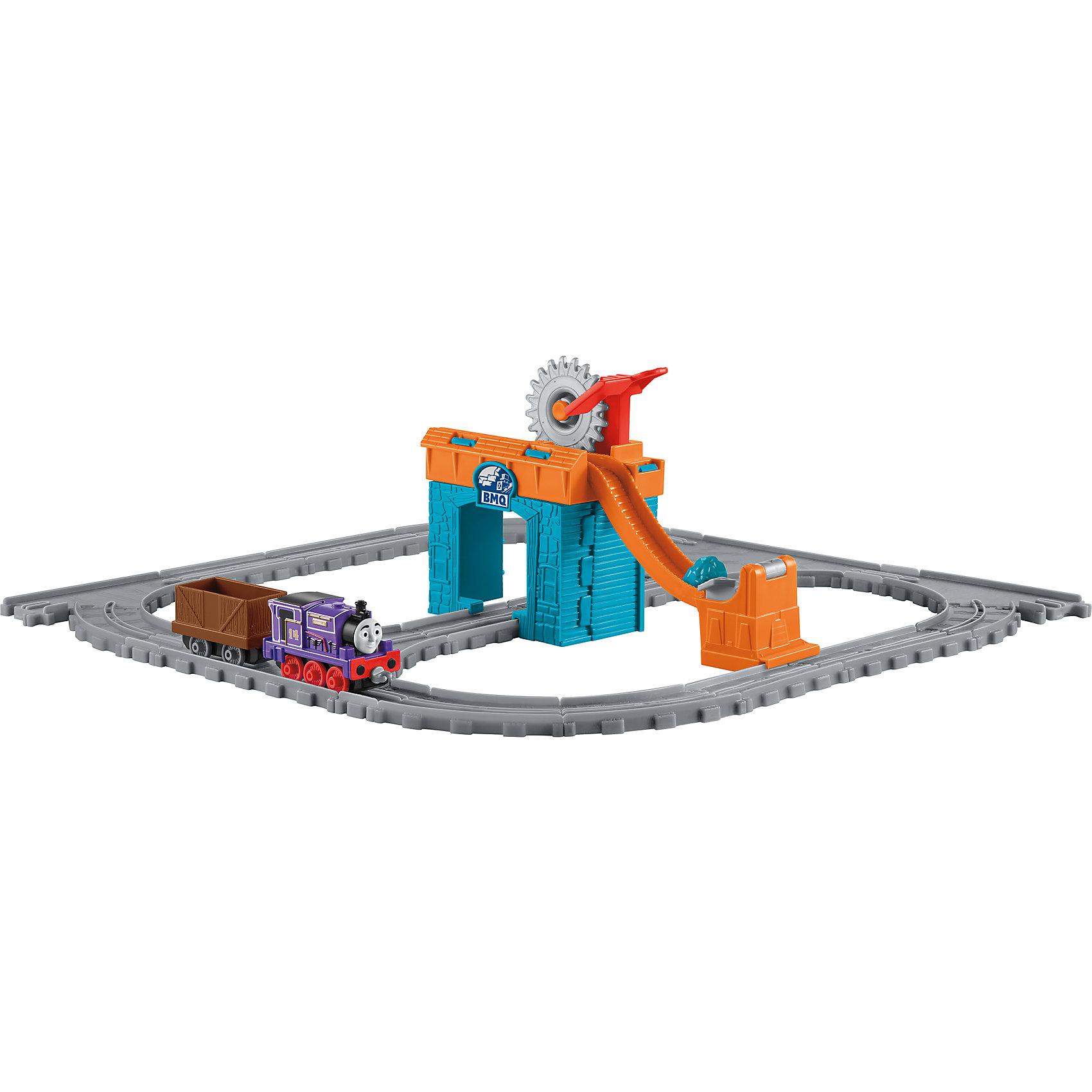 Игровой набор Паровозик Чарли за работой, Томас и его друзьяПопулярные игрушки<br>Характеристики товара:<br><br>• комплектация: паровозик Перси, упаковка<br>• материал: пластик<br>• серия: Thomas &amp; Friends<br>• возраст: от трех лет<br>• габариты упаковки:  245х80х305 мм<br>• вес: 0,524кг<br>• срок годности: не ограничен<br>• страна бренда: США<br><br>Чарли – очень важный персонаж среди друзей Томаса. Его миссия – вовремя доставлять топливо для других паровозиков и ставить бочки с ним на специальную платформу. Стоит отметить, что все товары, выпускаемые компанией Mattel, полностью безопасны и соответствуют международным  требованиям по качеству материалов.<br><br>Товар «Игровой набор Паровозик Чарли за работой, Томас и его друзья» можно приобрести в нашем интернет-магазине.<br><br>Ширина мм: 65<br>Глубина мм: 240<br>Высота мм: 305<br>Вес г: 461<br>Возраст от месяцев: 36<br>Возраст до месяцев: 120<br>Пол: Мужской<br>Возраст: Детский<br>SKU: 5434137