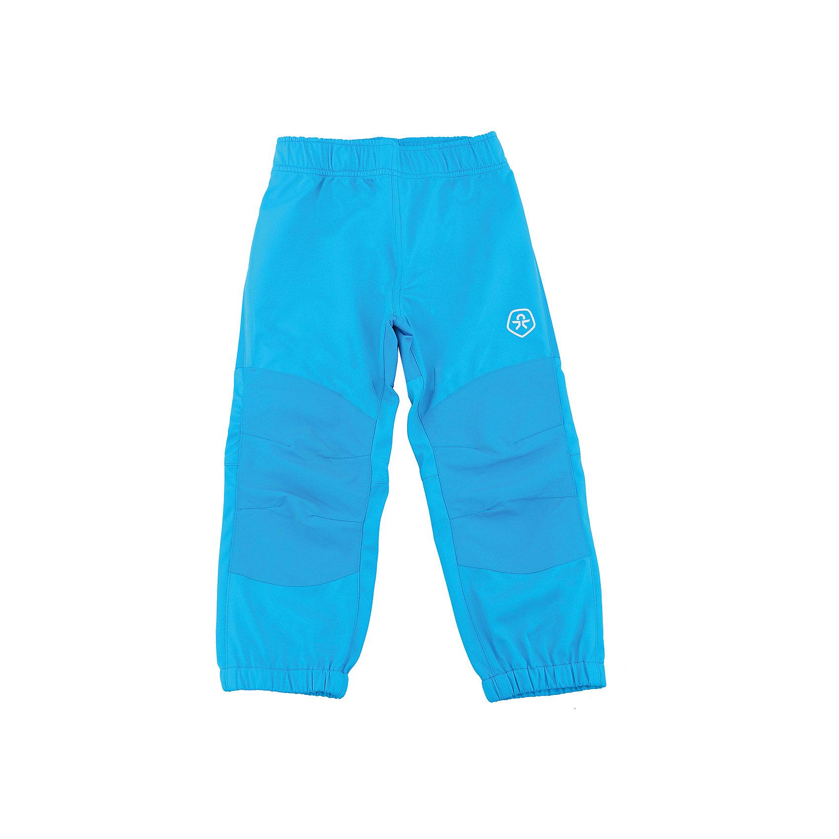 Брюки для мальчика Color KidsВерхняя одежда<br>Характеристики товара:<br><br>• цвет: голубой<br>• состав: 100 % полиэстер, softshell клееный с интерлоком<br>• без утеплителя<br>• температурный режим: от +5°до +15°С<br>• мембранная технология<br>• водонепроницаемость: 8000 мм<br>• воздухопроницаемость: 3000 г/м2/24ч<br>• непродуваемые<br>• эластичная резинка в поясе и внизу штанин<br>• светоотражающие детали<br>• усиленные колени<br>• без карманов<br>• комфортная посадка<br>• страна бренда: Дания<br><br>Такие удобные брюки сделаны из плотного полиэстера с мембранной технологией, не промокают и позволяют коже дышать, поэтому отлично подойдут для межсезонья и мокрой погоды. Они комфортно сидят и обеспечивают ребенку необходимое удобство и тепло. Очень стильно смотрятся.<br><br>Брюки для мальчика от датского бренда Color Kids (Колор кидз) можно купить в нашем интернет-магазине.<br><br>Ширина мм: 215<br>Глубина мм: 88<br>Высота мм: 191<br>Вес г: 336<br>Цвет: голубой<br>Возраст от месяцев: 24<br>Возраст до месяцев: 36<br>Пол: Мужской<br>Возраст: Детский<br>Размер: 98,104,110,116,122,128,80,86,92<br>SKU: 5442918