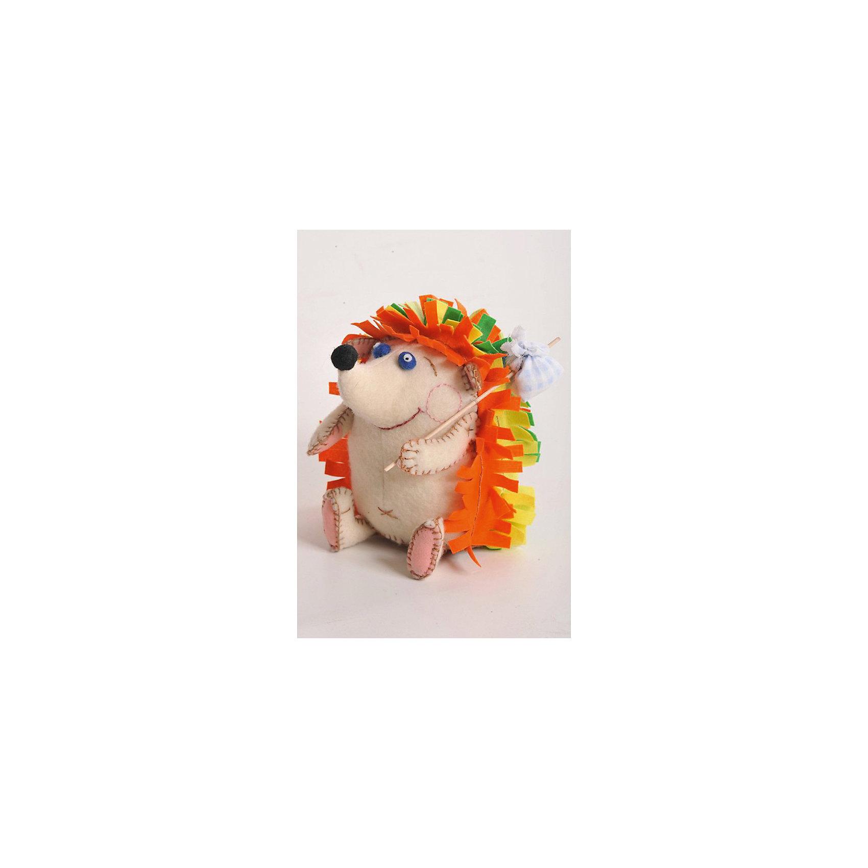 Набор для изготовления  игрушки Счастливый Ёжик, ПерловкаРукоделие<br>Набор для изготовления игрушки Счастливый Ёжик, Перловка<br><br>Характеристики: <br><br>• Размер игрушки: 13,5 см<br>• Материал: Хлопок, Фетр, Металл, Атлас<br>• В комплекте: Ткань, нитки, пуговицы, проволока, кнопка, листы с выкройками, инструкция<br>• Вес: 100г<br><br>Этот набор для творчества позволит вашему ребенку создать очаровательную игрушку. Ткани в комплекте выполнены в мягких пастельных тонах и состоят из натурального материала. В составе имеется подробная инструкция и все необходимое для декорирования фигурки. Игрушка получается проработанная и аккуратная.<br><br>Набор для изготовления игрушки Счастливый Ёжик, Перловка можно купить в нашем интернет-магазине.<br><br>Ширина мм: 150<br>Глубина мм: 15<br>Высота мм: 280<br>Вес г: 80<br>Возраст от месяцев: 60<br>Возраст до месяцев: 2147483647<br>Пол: Женский<br>Возраст: Детский<br>SKU: 5445439