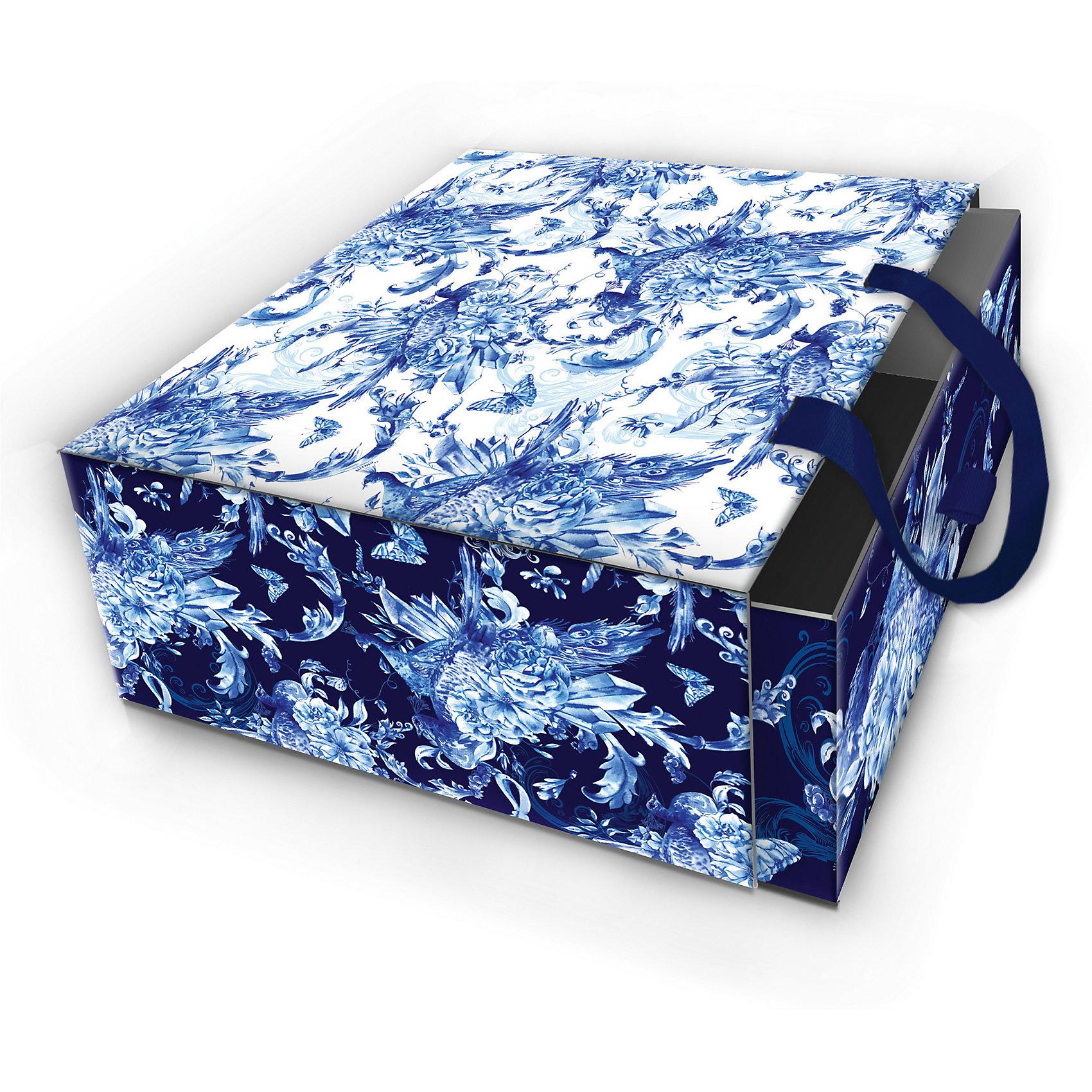 Коробка подарочная Голубые цветы, 16х16х8см., Феникс-ПрезентКоробка подарочная Голубые цветы, 16х16х8см., Феникс-Презент<br><br>Характеристики:<br><br>• оригинальный дизайн<br>• удобные ручки на внешней стороне<br>• петелька на внутренней части<br>• размер: 16х16х8 см<br>• материал: ламинированный картон, текстиль<br><br>Если вы хотите добавить подарку оригинальности - используйте необычную подарочную коробку. Коробка Голубые цветы изготовлена из прочного ламинированного картона. Она состоит из двух частей. Внутренняя часть вставляется в наружную. На внутренней части есть небольшая петелька, с помощью которой получатель с легкостью достанет подарок. Наружная часть имеет две красивые ручки для удобства переноски. Коробка оформлена красивым цветочным узором голубого оттенка.<br><br>Коробку подарочную Голубые цветы, 16х16х8см., Феникс-Презент можно купить в нашем интернет-магазине.<br><br>Ширина мм: 160<br>Глубина мм: 160<br>Высота мм: 80<br>Вес г: 121<br>Возраст от месяцев: 36<br>Возраст до месяцев: 2147483647<br>Пол: Унисекс<br>Возраст: Детский<br>SKU: 5449637