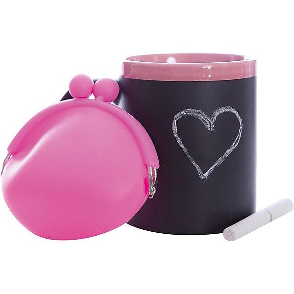 Набор подарочный  Розовый, Феникс-ПрезентНовогодние сувениры<br>Набор подарочный Розовый, Феникс-Презент<br><br>Характеристики:<br><br>• оригинальный набор в подарочной упаковке<br>• в комплекте: кружка, мелки (2 шт.), кошелек<br>• кружка с меловым грифельным покрытием для заметок<br>• материал кружки: керамика<br>• объем кружки: 300 мл<br>• материал кошелька: силикон<br>• размер коробки: 12х11х10,5 см<br><br>Набор Розовый - отличный вариант для тех, кто любит оригинальные и запоминающиеся подарки. В комплект входят 2 мелка, кружка и кошелек. Кружка из керамики никого не оставит равнодушным! На ней, с помощью мелков, можно оставить любые послания для близкого человека. Кошелек небольшого размера изготовлен из силикона. Все изделия выполнены в розовом и черном цветах. Такой подарок именинник запомнит надолго!<br><br>Набор подарочный Розовый, Феникс-Презент можно купить в нашем интернет-магазине.<br><br>Ширина мм: 120<br>Глубина мм: 110<br>Высота мм: 110<br>Вес г: 458<br>Возраст от месяцев: 120<br>Возраст до месяцев: 2147483647<br>Пол: Унисекс<br>Возраст: Детский<br>SKU: 5449659