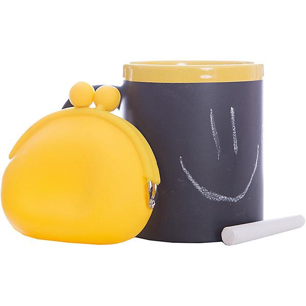 Набор подарочный  Канареечный, Феникс-ПрезентНовогодние сувениры<br>Набор подарочный Канареечный, Феникс-Презент<br><br>Характеристики:<br><br>• оригинальный набор в подарочной упаковке<br>• в комплекте: кружка, мелки (2 шт.), кошелек<br>• кружка с меловым грифельным покрытием для заметок<br>• материал кружки: керамика<br>• объем кружки: 300 мл<br>• материал кошелька: силикон<br>• размер коробки: 12х11х10,5 см<br><br>Набор Канареечный - отличный вариант для тех, кто любит оригинальные и запоминающиеся подарки. В комплект входят 2 мелка, кружка и кошелек. Кружка из керамики никого не оставит равнодушным! На ней, с помощью мелков, можно оставить любые послания для близкого человека. Кошелек небольшого размера изготовлен из силикона. Все изделия выполнены в желтом и черном цветах. Такой подарок именинник запомнит надолго!<br><br>Набор подарочный Канареечный, Феникс-Презент можно купить в нашем интернет-магазине.<br>Ширина мм: 120; Глубина мм: 110; Высота мм: 110; Вес г: 458; Возраст от месяцев: 120; Возраст до месяцев: 2147483647; Пол: Унисекс; Возраст: Детский; SKU: 5449660;