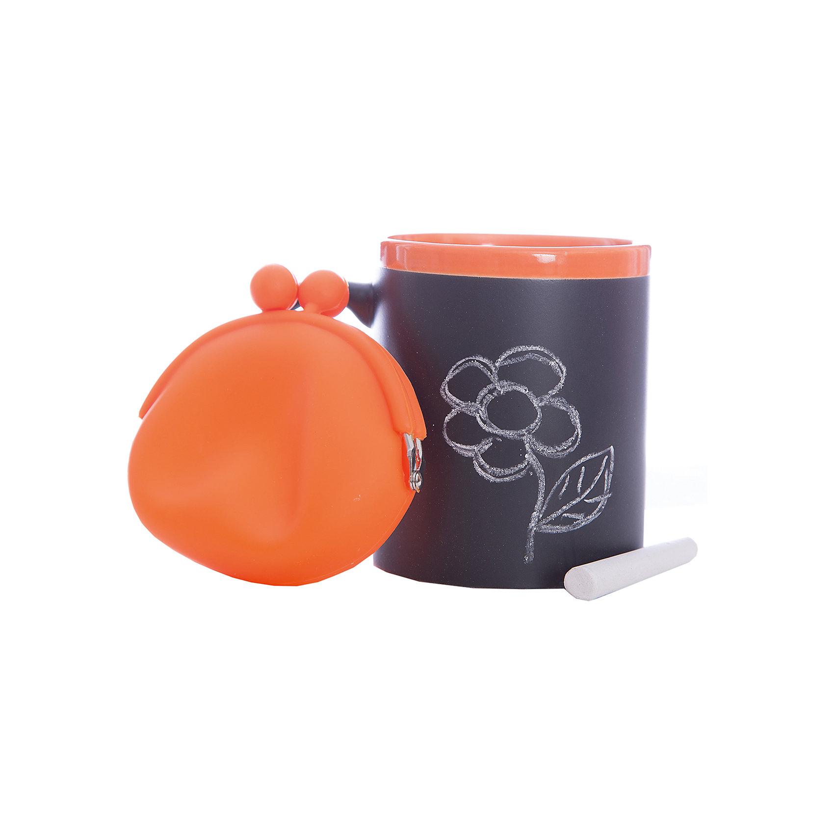 Набор подарочный  Оранжевый, Феникс-ПрезентПосуда<br>Набор подарочный Оранжевый, Феникс-Презент<br><br>Характеристики:<br><br>• оригинальный набор в подарочной упаковке<br>• в комплекте: кружка, мелки (2 шт.), кошелек<br>• кружка с меловым грифельным покрытием для заметок<br>• материал кружки: керамика<br>• объем кружки: 300 мл<br>• материал кошелька: силикон<br>• размер коробки: 12х11х10,5 см<br><br>Набор Оранжевый - отличный вариант для тех, кто любит оригинальные и запоминающиеся подарки. В комплект входят 2 мелка, кружка и кошелек. Кружка из керамики никого не оставит равнодушным! На ней, с помощью мелков, можно оставить любые послания для близкого человека. Кошелек небольшого размера изготовлен из силикона. Все изделия выполнены в оранжевом и черном цветах. Такой подарок именинник запомнит надолго!<br><br>Набор подарочный Оранжевый, Феникс-Презент можно купить в нашем интернет-магазине.<br><br>Ширина мм: 120<br>Глубина мм: 110<br>Высота мм: 110<br>Вес г: 458<br>Возраст от месяцев: 120<br>Возраст до месяцев: 2147483647<br>Пол: Унисекс<br>Возраст: Детский<br>SKU: 5449661