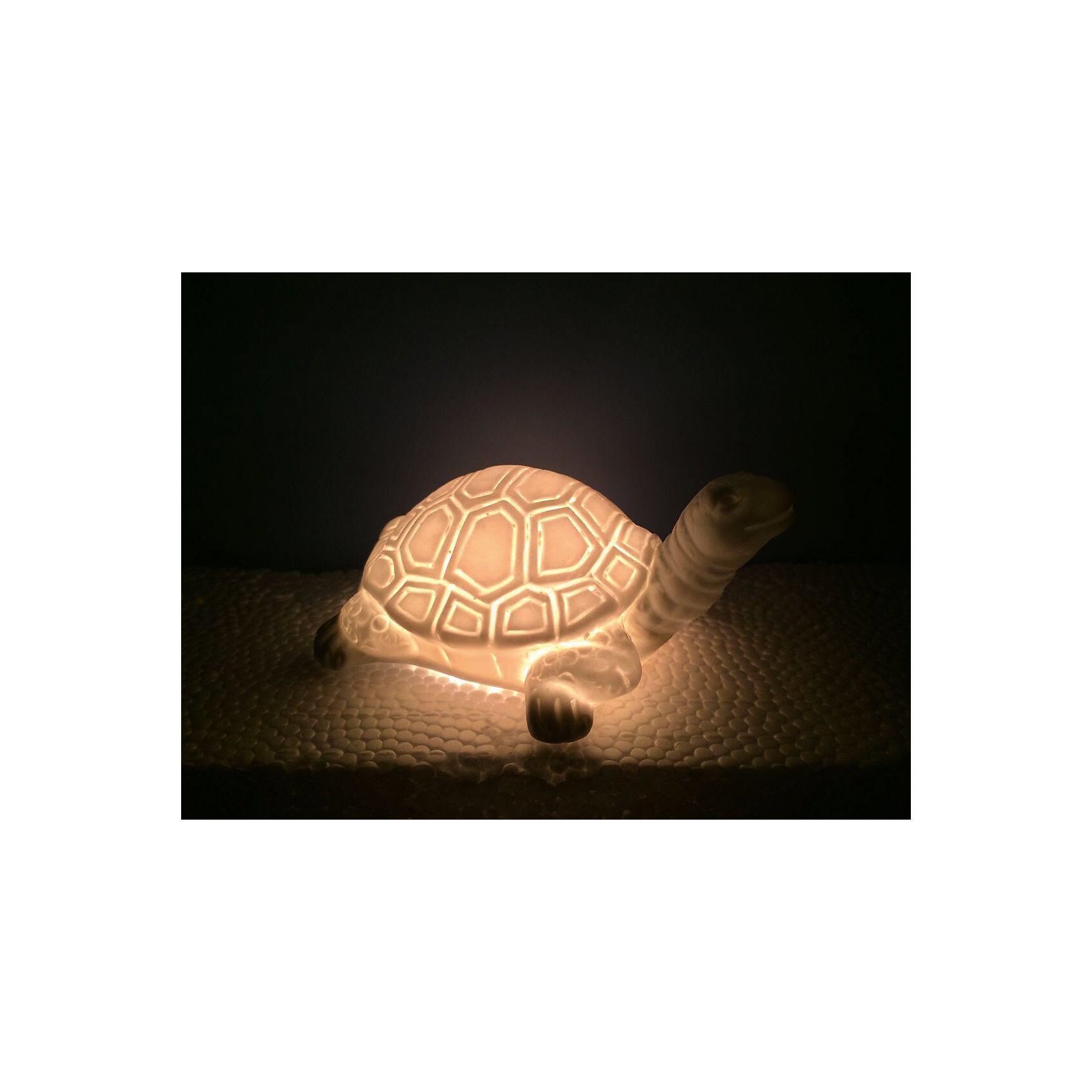 Лампа настольная Черепаха, электрическая из фарфора, Феникс-ПрезентЛампа настольная Черепаха, электрическая из фарфора, Феникс-Презент<br><br>Характеристики:<br><br>• красивый светильник в форме черепахи<br>• лампа накаливания 220-250 В, 50 Гц<br>• материал: фарфор<br>• размер: 18х10х11 см<br><br>Светильник Черепаха наполнит помещение мягким светом и всегда будет радовать глаз. Лампа изготовлена из фарфора, в виде утки. Небольшой размер позволяет использовать светильник в любом помещении и для украшения интерьера.<br><br>Лампу настольную Черепаха, электрическую из фарфора, Феникс-Презент вы можете купить в нашем интернет-магазине.<br><br>Ширина мм: 450<br>Глубина мм: 450<br>Высота мм: 350<br>Вес г: 9400<br>Возраст от месяцев: 120<br>Возраст до месяцев: 2147483647<br>Пол: Унисекс<br>Возраст: Детский<br>SKU: 5449755