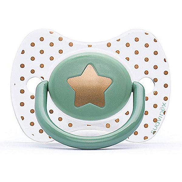 Пустышка силиконовая Haute Couture, от 4 мес, Suavinex, зеленый звездаПустышки<br>Характеристики:<br><br>• Наименование: пустышка<br>• Рекомендуемый возраст: от 0 до 4 месяцев<br>• Пол: универсальный<br>• Материал: силикон, пластик<br>• Цвет: зеленый, белый, золотистый<br>• Рисунок: звезда, горошинки<br>• Форма: физиологическая<br>• Наличие вентиляционных отверстий <br>• Кольцо для держателя<br>• С эффектом позолоты<br>• Вес: 31 г<br>• Параметры (Д*Ш*В): 6,1*6,1*9,1 см <br>• Особенности ухода: можно мыть в теплой воде, регулярная стерилизация <br><br>Пустышка Haute Couture от 0 до 4 мес, Suavinex, зеленый звезда изготовлена испанским торговым брендом, специализирующимся на выпуске товаров для кормления и аксессуаров новорожденным и младенцам. Продукция от Suavinex разработана с учетом рекомендаций педиатров и стоматологов, что гарантирует качество и безопасность использованных материалов. <br><br>Пластик, из которого изготовлено изделие, устойчив к появлению царапин и сколов, благодаря чему пустышка длительное время сохраняет свои гигиенические свойства. Форма у соски способствует равномерному распределению давления на небо, что обеспечивает правильное формирование речевого аппарата. <br><br>Пустышка имеет классическую форму, для прикрепления держателя предусмотрено кольцо. Изделие выполнено в брендовом дизайне, с изображением звезды. Рисунок с эффектом позолоты нанесен по инновационной технологии, которая обеспечивает стойкость рисунка даже при длительном использовании и частой стерилизации.<br><br>Пустышку Haute Couture от 0 до 4 мес, Suavinex, зеленый звезда можно купить в нашем интернет-магазине.<br><br>Ширина мм: 61<br>Глубина мм: 61<br>Высота мм: 91<br>Вес г: 31<br>Возраст от месяцев: 0<br>Возраст до месяцев: 24<br>Пол: Унисекс<br>Возраст: Детский<br>SKU: 5451273