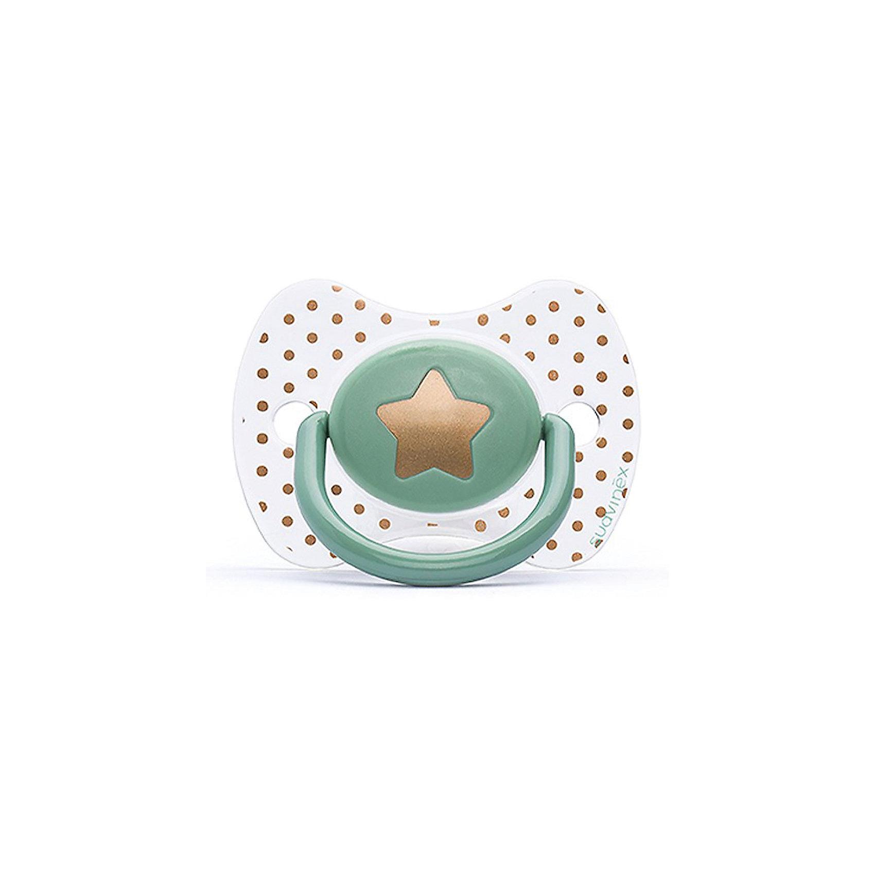 Пустышка силиконовая Haute Couture, от 4 мес, Suavinex, зеленый звездаХарактеристики:<br><br>• Наименование: пустышка<br>• Рекомендуемый возраст: от 0 до 4 месяцев<br>• Пол: универсальный<br>• Материал: силикон, пластик<br>• Цвет: зеленый, белый, золотистый<br>• Рисунок: звезда, горошинки<br>• Форма: физиологическая<br>• Наличие вентиляционных отверстий <br>• Кольцо для держателя<br>• С эффектом позолоты<br>• Вес: 31 г<br>• Параметры (Д*Ш*В): 6,1*6,1*9,1 см <br>• Особенности ухода: можно мыть в теплой воде, регулярная стерилизация <br><br>Пустышка Haute Couture от 0 до 4 мес, Suavinex, зеленый звезда изготовлена испанским торговым брендом, специализирующимся на выпуске товаров для кормления и аксессуаров новорожденным и младенцам. Продукция от Suavinex разработана с учетом рекомендаций педиатров и стоматологов, что гарантирует качество и безопасность использованных материалов. <br><br>Пластик, из которого изготовлено изделие, устойчив к появлению царапин и сколов, благодаря чему пустышка длительное время сохраняет свои гигиенические свойства. Форма у соски способствует равномерному распределению давления на небо, что обеспечивает правильное формирование речевого аппарата. <br><br>Пустышка имеет классическую форму, для прикрепления держателя предусмотрено кольцо. Изделие выполнено в брендовом дизайне, с изображением звезды. Рисунок с эффектом позолоты нанесен по инновационной технологии, которая обеспечивает стойкость рисунка даже при длительном использовании и частой стерилизации.<br><br>Пустышку Haute Couture от 0 до 4 мес, Suavinex, зеленый звезда можно купить в нашем интернет-магазине.<br><br>Ширина мм: 61<br>Глубина мм: 61<br>Высота мм: 91<br>Вес г: 31<br>Возраст от месяцев: 0<br>Возраст до месяцев: 24<br>Пол: Унисекс<br>Возраст: Детский<br>SKU: 5451273