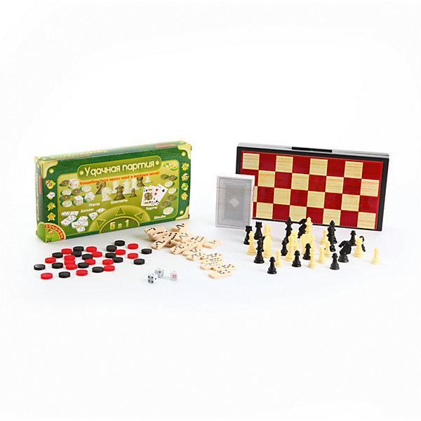 Настольная игра Удачная партия, BondibonСпортивные настольные игры<br>Настольная игра Удачная партия, Bondibon (Бондибон).<br><br>Характеристики:<br><br>• В комплекте: игровое поле, 3 кубика, 30 шашек черного и красного цвета, 32 шахматные фигуры черного и белого цвета, 54 карты, 28 костяшек, правила игр<br>• Размер игрового поля: 24,5х24,5х1,5 см.<br>• Средняя высота шахматной фигуры: 2,5 см.<br>• Диаметр шашки: 1,5 см.<br>• Размер карты: 8,5х5,7 см.<br>• Размер костяшки: 3х1,6 см.<br>• Материал: нетоксичный пластик, прочный картон, магнит, металл<br>• Упаковка: прочная картонная коробка<br>• Размер упаковки: 13х25х3,5 см.<br>• Вес: 480 гр.<br><br>Вы не знаете, как скоротать длинную дорогу в поезде, что взять с собой на пляж, чтобы не грустить? Отличный вариант – набор «Удачная партия», в котором есть сразу пять самых популярных настольных игр всех времен и народов – шахматы, шашки, нарды, карты и домино. Все необходимое для игр хранится в пластиковом кейсе, состоящем из двух частей. <br><br>Внутренняя часть представляет собой поле для игры в нарды, внешняя - поле для игры в шахматы или шашки. Для удобства шашки, фишки и шахматные фигуры изготовлены с магнитами и не потеряются на свежем воздухе или в дороге. Вечные ценности в одном комплекте, это ли не мечта интеллектуала?<br><br>Настольную игру Удачная партия, Bondibon (Бондибон) можно купить в нашем интернет-магазине.<br>Ширина мм: 250; Глубина мм: 40; Высота мм: 130; Вес г: 519; Возраст от месяцев: 60; Возраст до месяцев: 2147483647; Пол: Унисекс; Возраст: Детский; SKU: 5451753;