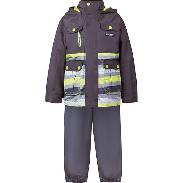 Комплект: куртка, толстовка и брюки для мальчика GustiВерхняя одежда<br>Характеристики товара:<br><br>• цвет: серый<br>• куртка: 100% полиэстер, съёмная флисовая толстовка: 100% полиэстер<br>• брюки: верх 100% полиэстер, подкладка 100% х/б<br>• без утеплителя<br>• комплектация: куртка, съемная флисовая подкладка, брюки<br>• температурный режим: от 0° С до +15° С<br>• водонепроницаемость: 2000 мм<br>• воздухопроницаемость: 2000 мм<br>• ветронепродуваемый<br>• капюшон не отстёгивается<br>• пять внешних карманов<br>• съемные подтяжки<br>• брючины эластичные<br>• светоотражающие элементы<br>• молния<br>• страна бренда: Канада<br><br>Этот демисезонный комплект из куртки, пристегивающейся к ней толстовки из флиса, и штанов поможет обеспечить ребенку комфорт и тепло. Предметы удобно садятся по фигуре, отлично смотрятся с различной обувью. Комплект очень модно выглядит, он хорошо защищает от ветра и влаги. Материал отлично подходит для дождливой погоды. Стильный дизайн разрабатывался специально для детей.<br><br>Комплект: куртка, толстовка и брюки для мальчика от известного бренда Gusti (Густи) можно купить в нашем интернет-магазине.<br><br>Ширина мм: 356<br>Глубина мм: 10<br>Высота мм: 245<br>Вес г: 519<br>Цвет: черный<br>Возраст от месяцев: 12<br>Возраст до месяцев: 15<br>Пол: Мужской<br>Возраст: Детский<br>Размер: 80,116,120,122,128,140,152,86,90,92,98,100,104,110<br>SKU: 5452320
