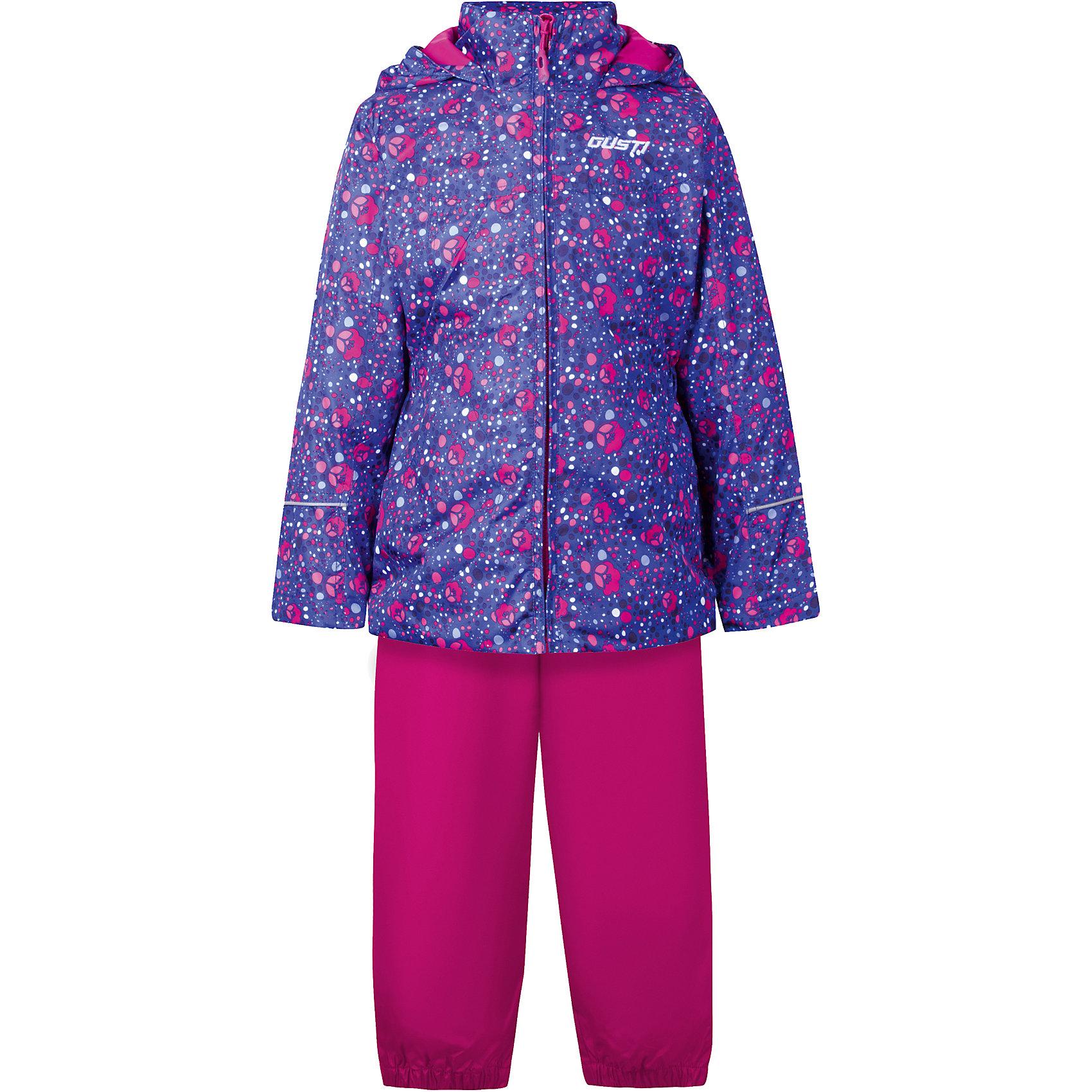 Комплект: куртка, толстовка и брюки для девочки GustiВерхняя одежда<br>Характеристики товара:<br><br>• цвет: синий<br>• состав: 100% полиэстер, подкладка, утеплитель - 100% полиэстер<br>• комплектация: куртка, съемная флисовая подкладка, брюки<br>• температурный режим: от +5° С до +15° С<br>• водонепроницаемый материал<br>• капюшон<br>• карманы<br>• съемные подтяжки<br>• брючины эластичные<br>• комфортная посадка<br>• светоотражающие элементы<br>• молния<br>• утеплитель: синтепон<br>• демисезонный<br>• страна бренда: Канада<br><br>Этот демисезонный комплект из куртки, пристегивающейся к ней толстовки из флиса, и штанов поможет обеспечить ребенку комфорт и тепло. Предметы удобно садятся по фигуре, отлично смотрятся с различной обувью. Комплект очень модно выглядит, он хорошо защищает от ветра и влаги. Материал отлично подходит для дождливой погоды. Стильный дизайн разрабатывался специально для детей.<br><br>Комплект: куртка, толстовка и брюки для девочки от известного бренда Gusti (Густи) можно купить в нашем интернет-магазине.<br><br>Ширина мм: 356<br>Глубина мм: 10<br>Высота мм: 245<br>Вес г: 519<br>Цвет: синий<br>Возраст от месяцев: 12<br>Возраст до месяцев: 15<br>Пол: Женский<br>Возраст: Детский<br>Размер: 122,128,110,140,80,152,86,90,92,98,100,104,116,120<br>SKU: 5452436