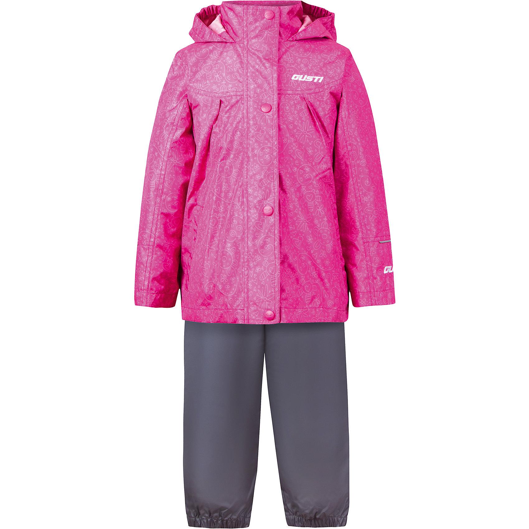 Комплект: куртка, толстовка и брюки для девочки GustiВерхняя одежда<br>Характеристики товара:<br><br>• цвет: розовый<br>• состав: 100% полиэстер, подкладка, утеплитель - 100% полиэстер<br>• комплектация: куртка, съемная флисовая подкладка, брюки<br>• температурный режим: от +5° С до +15° С<br>• водонепроницаемый материал<br>• капюшон<br>• карманы<br>• съемные подтяжки<br>• брючины эластичные<br>• комфортная посадка<br>• светоотражающие элементы<br>• молния<br>• утеплитель: синтепон<br>• демисезонный<br>• страна бренда: Канада<br><br>Этот демисезонный комплект из куртки, пристегивающейся к ней толстовки из флиса, и штанов поможет обеспечить ребенку комфорт и тепло. Предметы удобно садятся по фигуре, отлично смотрятся с различной обувью. Комплект очень модно выглядит, он хорошо защищает от ветра и влаги. Материал отлично подходит для дождливой погоды. Стильный дизайн разрабатывался специально для детей.<br><br>Комплект: куртка, толстовка и брюки для девочки от известного бренда Gusti (Густи) можно купить в нашем интернет-магазине.<br><br>Ширина мм: 356<br>Глубина мм: 10<br>Высота мм: 245<br>Вес г: 519<br>Цвет: розовый<br>Возраст от месяцев: 12<br>Возраст до месяцев: 18<br>Пол: Женский<br>Возраст: Детский<br>Размер: 86,90,92,104,110,116,100,120,98,80<br>SKU: 5452500