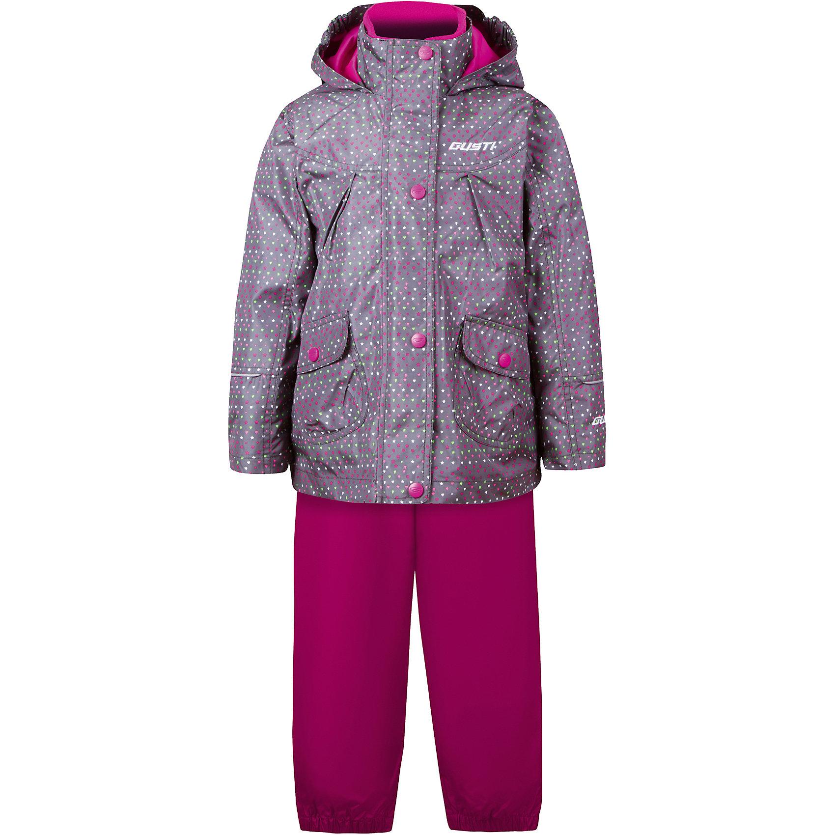 Комплект: куртка, толстовка и брюки для девочки GustiВерхняя одежда<br>Характеристики товара:<br><br>• цвет: серый<br>• состав: 100% полиэстер, подкладка, утеплитель - 100% полиэстер<br>• комплектация: куртка, съемная флисовая подкладка, брюки<br>• температурный режим: от +5° С до +15° С<br>• водонепроницаемый материал<br>• капюшон<br>• карманы<br>• съемные подтяжки<br>• брючины эластичные<br>• комфортная посадка<br>• светоотражающие элементы<br>• молния<br>• утеплитель: синтепон<br>• демисезонный<br>• страна бренда: Канада<br><br>Этот демисезонный комплект из куртки, пристегивающейся к ней толстовки из флиса, и штанов поможет обеспечить ребенку комфорт и тепло. Предметы удобно садятся по фигуре, отлично смотрятся с различной обувью. Комплект очень модно выглядит, он хорошо защищает от ветра и влаги. Материал отлично подходит для дождливой погоды. Стильный дизайн разрабатывался специально для детей.<br><br>Комплект: куртка, толстовка и брюки для девочки от известного бренда Gusti (Густи) можно купить в нашем интернет-магазине.<br><br>Ширина мм: 356<br>Глубина мм: 10<br>Высота мм: 245<br>Вес г: 519<br>Цвет: черный<br>Возраст от месяцев: 12<br>Возраст до месяцев: 15<br>Пол: Женский<br>Возраст: Детский<br>Размер: 80,92,98,100,104,110,116,120,122,128,140,152,86,90<br>SKU: 5452511