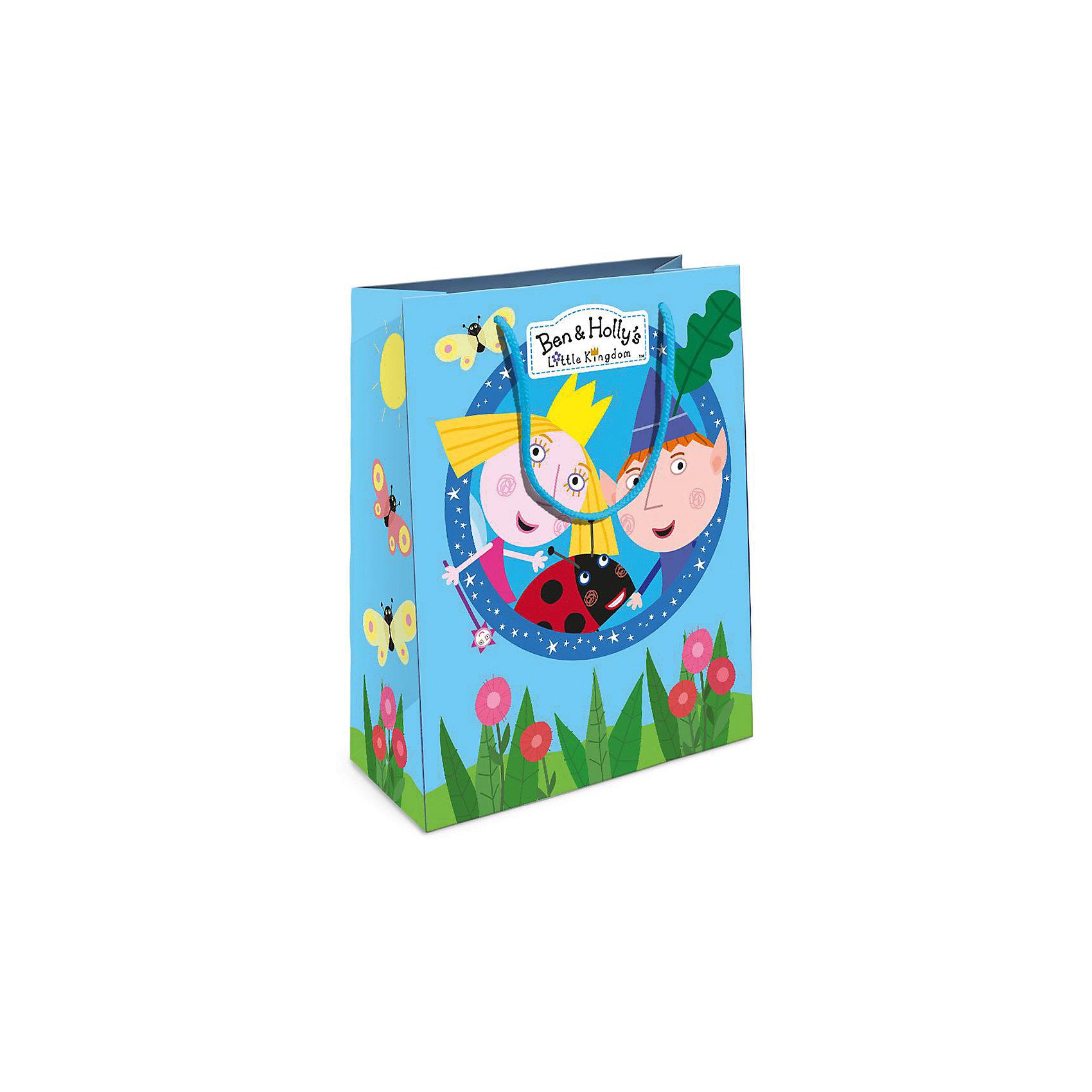 Пакет подарочный, 230*180*100, Бен и ХоллиПодарочный бумажный пакет Бен и Холли стильно и эффектно украсит ваш подарок для малыша. Размер: 23х18х10 см. В ассортименте вы сможете найти такой же пакет размером 35х25х9 см.<br><br>Ширина мм: 230<br>Глубина мм: 180<br>Высота мм: 50<br>Вес г: 39<br>Возраст от месяцев: 36<br>Возраст до месяцев: 2147483647<br>Пол: Унисекс<br>Возраст: Детский<br>SKU: 5453484