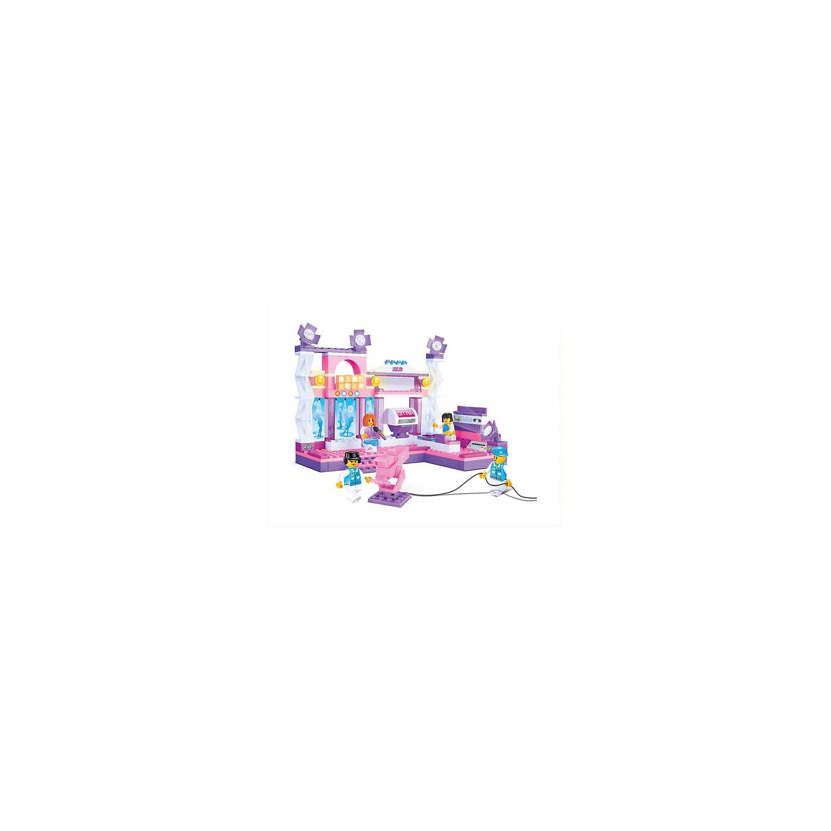 Конструктор Розовая мечта: Съемка клипа, 176 деталей, SlubanПластмассовые конструкторы<br>Конструктор Розовая мечта: Съемка клипа, 176 деталей, Sluban (Слубан)<br><br>Характеристики:<br><br>• возраст: от 6 лет<br>• съемочная площадка из конструктора<br>• количество деталей: 176<br>• количество фигурок: 4<br>• материал: пластик<br>• размер упаковки: 5,5х22,5х31 см<br>• вес: 530 грамм<br><br>Конструктор Розовая мечта: Съемка клипа создан специально для маленьких звездочек! Девочка сможет построить сцену и съемную площадку, а потом разыграть интересные сценки из клипа с фигурками. Игра способствует развитию воображения и мелкой моторики.<br><br>Конструктор Розовая мечта: Съемка клипа, 176 деталей, Sluban (Слубан) вы можете купить в нашем интернет-магазине.<br><br>Ширина мм: 310<br>Глубина мм: 225<br>Высота мм: 55<br>Вес г: 530<br>Возраст от месяцев: 72<br>Возраст до месяцев: 2147483647<br>Пол: Женский<br>Возраст: Детский<br>SKU: 5453790