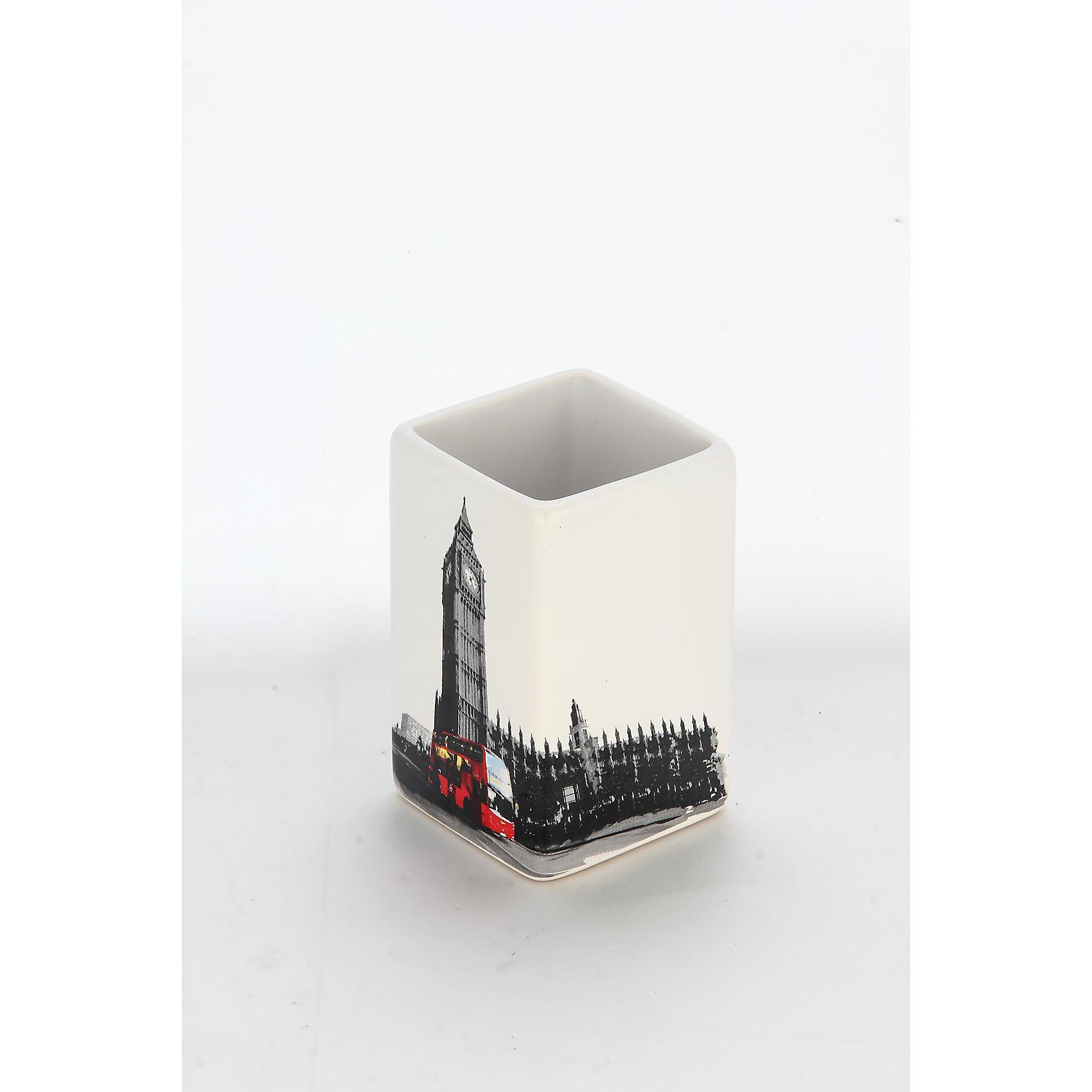 Стакан для ванной комнаты Лондон TU-L, Рыжий котВанная комната<br>Стакан для ванной комнаты Лондон TU-L, Рыжий кот<br><br>Характеристики:<br><br>• привлекательный дизайн<br>• размер: 6,6х6,6х10,5 см<br>• материал: керамика<br><br>Стакан Лондон - красивый и полезный аксессуар для вашей ванной комнаты. Он имеет одно вместительное отделение, подходящее для хранения гигиенических принадлежностей. Стакан изговлен из керамики с изображением Биг-Бена и автобуса Лондона.<br><br>Стакан для ванной комнаты Лондон TU-L, Рыжий кот вы можете купить в нашем интернет-магазине.<br><br>Ширина мм: 90<br>Глубина мм: 90<br>Высота мм: 110<br>Вес г: 275<br>Возраст от месяцев: 12<br>Возраст до месяцев: 216<br>Пол: Унисекс<br>Возраст: Детский<br>SKU: 5454080