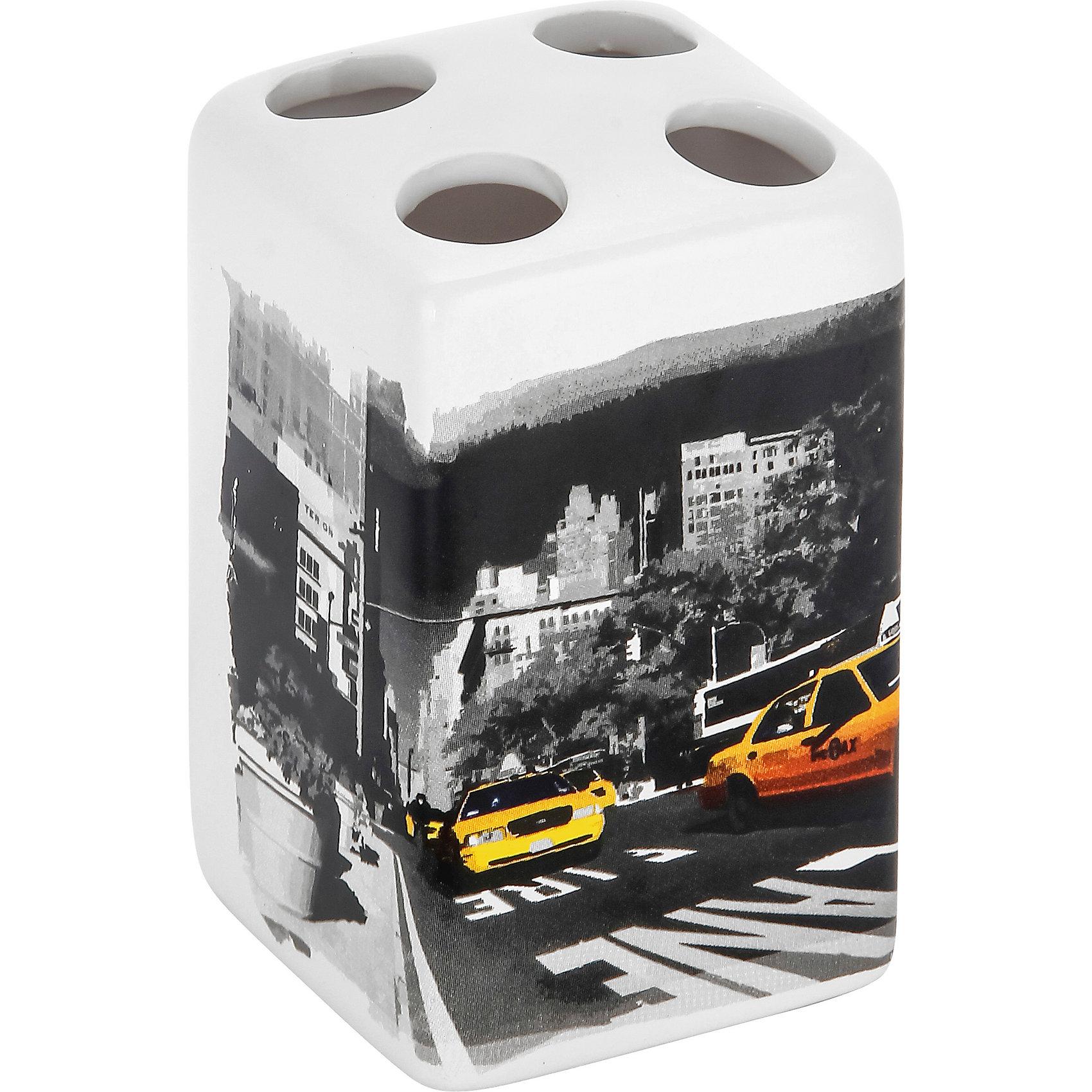 Держатель для зубных щеток Нью-Йорк TBH-NY, Рыжий котВанная комната<br>Держатель для зубных щеток Нью-Йорк TBH-NY, Рыжий кот<br><br>Характеристики:<br><br>• четыре отверстия для зубных щеток<br>• приятный дизайн<br>• материал: керамика<br>• размер: 6,6х6,6х10,5 см<br><br>Держатель Нью-Йорк предназначен для хранения зубных щеток. Он имеет четыре небольших отверстия для щеток, что отлично подойдет для большой семьи. Держатель изготовлен из керамики и оформлен изображением улицы Нью-Йорка.<br><br>Держатель для зубных щеток Нью-Йорк TBH-NY, Рыжий кот вы можете купить в нашем интернет-магазине.<br><br>Ширина мм: 90<br>Глубина мм: 80<br>Высота мм: 130<br>Вес г: 269<br>Возраст от месяцев: 12<br>Возраст до месяцев: 216<br>Пол: Унисекс<br>Возраст: Детский<br>SKU: 5454081