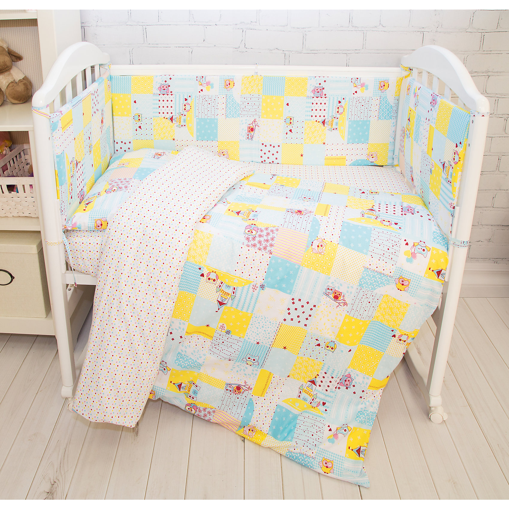 Борт в кроватку Совы Baby Nice, голубыеПостельное бельё<br>Борт в кроватку Совы Baby Nice, голубые<br><br>Характеристики:<br><br>• В набор входит: 4 борта<br>• Состав постельного белья: 100% хлопок<br>• Состав наполнителя: периотек<br>• Размеры: 2 борта 60 * 35 см, 2 борта 120 * 35 см.<br>• Тип ткани: бязь.<br>• Для детей в возрасте: от 0 мес<br>• Страна производитель: Россия<br><br>Яркий и натуральный набор бортов из четырех частей от Объединенной Текстильной Компании, специализирующейся на производстве качественного постельного белья и принадлежностей по приемлемой цене. Нежная расцветка в клеточку с голубыми совами и веселыми замками на белом фоне идеально подойдет для мальчиков. Бортики уберегут нежный сон ребенка и не позволят во сне просунуть ручку между перегородкой кроватки. <br><br>Благодаря тому, что кроватка закрывает малыша со всех сторон вероятность того, что ребёнка продует от сквозняка снижается. Все составные части набора изготовлены из 100% хлопка, приятны к прикосновению и не вызывают аллергии. Набор станет отличным подарком для новорожденного. Добавьте атмосферы уюта и комфорта вместе с новым бортом в кроватку!<br><br>Борт в кроватку Совы Baby Nice, голубые можно купить в нашем интернет-магазине<br><br>Ширина мм: 230<br>Глубина мм: 250<br>Высота мм: 40<br>Вес г: 700<br>Возраст от месяцев: 0<br>Возраст до месяцев: 12<br>Пол: Мужской<br>Возраст: Детский<br>SKU: 5454322