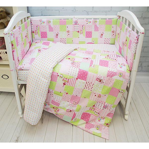 Комплект в кроватку 6 пред., Совы Baby Nice, розовыйПостельное белье в кроватку новорождённого<br>Комплект в кроватку 6 пред., Совы Baby Nice, розовый<br><br>Характеристики:<br><br>• В набор входит: простынь, пододеяльник, наволочка, борт в кроватку, одеяло, подушка<br>• Состав постельного белья: 100% хлопок<br>• Состав наполнителя постельных принадлежностей: файбер<br>• Размеры: 2 борта 60 * 35 см, 2 борта 120 * 35 см.; простынь, пододеяльник: 112 * 147 см.; подушка, наволочка: 40 * 60 см,; одеяло 105 * 140 см.; <br>• Тип ткани: бязь.<br>• Для детей в возрасте: от 0 мес<br>• Страна производитель: Россия<br><br>Яркий и натуральный набор белья из шести предметов от Объединенной Текстильной Компании, специализирующейся на производстве качественного постельного белья и принадлежностей по приемлемой цене. Нежная расцветка в клеточку с розовыми совами и изящными замками на белом фоне идеально подойдет для девочек. Бортики уберегут нежный сон ребенка и не позволят во сне просунуть ручку между перегородкой кроватки. <br><br>Легкое, но теплое одеяло с наполнителем пропускает воздух и позволяет коже дышать. Невысокая прямоугольная подушка обеспечит наиболее удобное положение головы малышки и поможет ей отлично выспаться! Все составные части набора изготовлены из 100% хлопка, приятны к прикосновению и не вызывают аллергии. Набор станет отличным подарком для новорожденного и включает все необходимое для сна ребёнка. Добавьте атмосферы уюта и комфорта вместе с новым набором постельного белья!<br><br>Комплект в кроватку 6 пред., Совы Baby Nice, розовый можно купить в нашем интернет-магазине<br><br>Ширина мм: 350<br>Глубина мм: 600<br>Высота мм: 230<br>Вес г: 1200<br>Возраст от месяцев: 0<br>Возраст до месяцев: 12<br>Пол: Женский<br>Возраст: Детский<br>SKU: 5454338