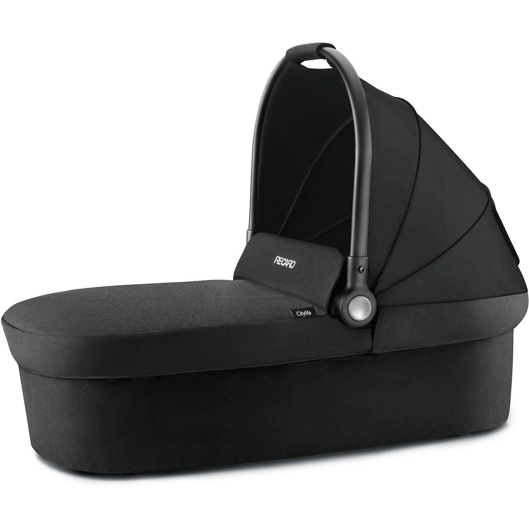 Люлька для коляски Recaro Citylife,Коляски для новорожденных<br>Характеристики люльки Citylife:<br><br>• люлька с ручкой для переноски, удобна при транспортировке, позволяет перенести люльку вместе со спящим малышом;<br>• жесткое дно люльки позволяет малышу лежать на ровной поверхности – выгодное условие для неокрепшего позвоночника;<br>• регулируемый капор люльки оснащен смотровым окошком;<br>• накидка на люльку защищает кроху от ветра и сквозняков;<br>• люлька устанавливается на шасси коляски Recaro с помощью специальных адаптеров;<br>• материал: пластик, полиэстер, хлопок.<br><br>Внешние размеры люльки Ситилайф: 83x39x20 см<br>Внутренние размеры люльки: 82x38x19 см<br>Максимальная нагрузка на люльку: 9 кг<br><br>Люльку для коляски Citylife, Recaro можно купить в нашем интернет-магазине.<br><br>Ширина мм: 450<br>Глубина мм: 650<br>Высота мм: 750<br>Вес г: 5000<br>Возраст от месяцев: 6<br>Возраст до месяцев: 432<br>Пол: Унисекс<br>Возраст: Детский<br>SKU: 5464656