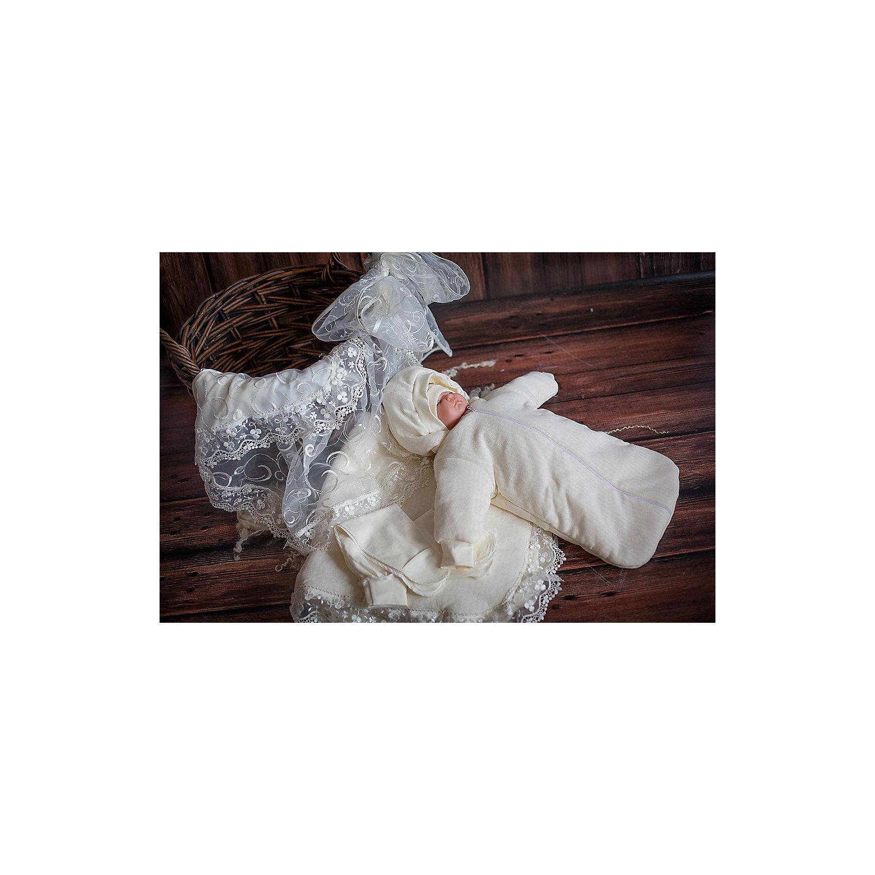 Комплект на выписку нарядный, летнийНаборы одежды, конверты на выписку<br>Летний комплект на выписку из молочного трикотажа, украшенный вышитой органзой.<br>-одеяло трикотажное синтепоновое 100*90 <br>-шапочка трикотажная 56-36<br>-уголок нарядный 75*75 <br>-конверт 56-36<br>-ползунок ЕВРО  56-36<br>-распашонка  56-36<br>-лента 3 м.<br><br>Ширина мм: 750<br>Глубина мм: 400<br>Высота мм: 50<br>Вес г: 800<br>Возраст от месяцев: 0<br>Возраст до месяцев: 6<br>Пол: Унисекс<br>Возраст: Детский<br>SKU: 5465317
