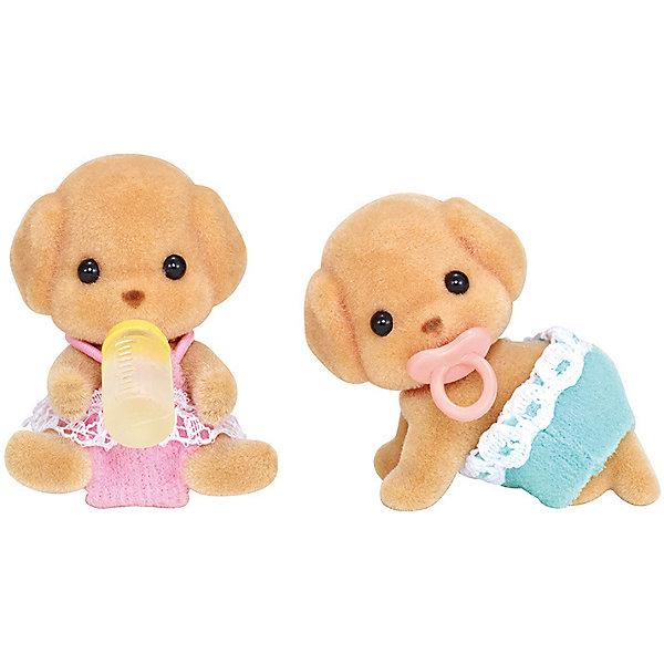 Набор Той Пудели-двойняшки, Sylvanian FamiliesSylvanian Families<br>Характеристики:<br><br>• Материал: ПВХ с полимерным напылением, текстиль <br>• Комплектация: 2 щенка той пуделя, пустышка, бутылочка<br>• Размер фигурки: ? 5 см<br>• Голова и лапы – подвижные<br>• Особенности ухода: фигурку можно купать, одежда – ручная стирка<br>• Размер упаковки (Д*Ш*В): 7,5*3,5*10 см<br>• Вес: 50 г<br>• Упаковка: картонная коробка с блистером<br><br>Фигурки выполнены из экологически безопасного материала, сверху покрыты напылением, придающим животным бархатистую поверхность. Фигурки можно купать, одежду – стирать. У персонажей подвижные головы и лапки, что делает их особенно правдоподобными и удобными в играх. Набор Той Пудели-двойняшки, Sylvanian Families состоит из двух малышей той пуделя: один в образе мальчика, второй – в образе девочки. Дополнительно в комплекте предусмотрены аксессуары для малышей: бутылочка для кормления и пустышка. <br><br>Набор Той Пудели-двойняшки, Sylvanian Families можно купить в нашем интернет-магазине.<br><br>Ширина мм: 119<br>Глубина мм: 78<br>Высота мм: 40<br>Вес г: 40<br>Возраст от месяцев: 48<br>Возраст до месяцев: 96<br>Пол: Женский<br>Возраст: Детский<br>SKU: 5467536