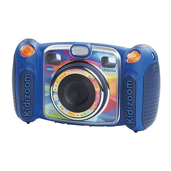 Цифровая камера Kidizoom duo, голубая, VtechДетские гаджеты<br>Характеристики:<br><br>• Материал: пластик <br>• Комплектация: камера, кабель, браслет, инструкция<br>• Разрешение камеры: 0,3 Мп<br>• Встроенный диктофон с функциями изменения голоса<br>• Наличие вспышки <br>• 2 камеры: обычная и для автопортретов<br>• Встроенные приложения для создания спецэффектов<br>• 5 встроенных игр<br>• Объем памяти устройства: 256 МБ (на 400 фото)<br>• Размеры (Д*Ш*В): 16,2*5,8*9,1 см<br>• Вес: 380 г<br>• Особенности ухода: допускается сухая чистка<br><br>Цифровая камера Kidizoom duo, голубая, Vtech – это многофункциональный интерактивный гаджет от французского производителя, который является мировым лидером по выпуску электронных обучающих устройств и игрушек. Эта уникальная камера относятся к последнему поколению цифровых обучающих устройств для детей. <br><br>Многофункциональное устройство включает в себя множество полезных и необходимых функций, которые позволят вашему ребенку осваивать современные технологии в фото и видеосъемке. Камера имеет компактный размер и легкий вес, благодаря чему ее можно брать с собой на велосипедные прогулки, в путешествия или экспедиции. <br><br>Большой объем памяти позволяет хранить до 400 снимков. Различные встроенные функции позволят обрабатывать и оформлять изображения, создавать из них анимированные ролики. У устройства предусмотрено два режима: обычный и автопортрет.<br><br>Цифровую камеру Kidizoom duo, голубая, Vtech можно купить в нашем интернет-магазине.<br><br>Ширина мм: 203<br>Глубина мм: 279<br>Высота мм: 71<br>Вес г: 1550<br>Возраст от месяцев: 72<br>Возраст до месяцев: 108<br>Пол: Унисекс<br>Возраст: Детский<br>SKU: 5471079