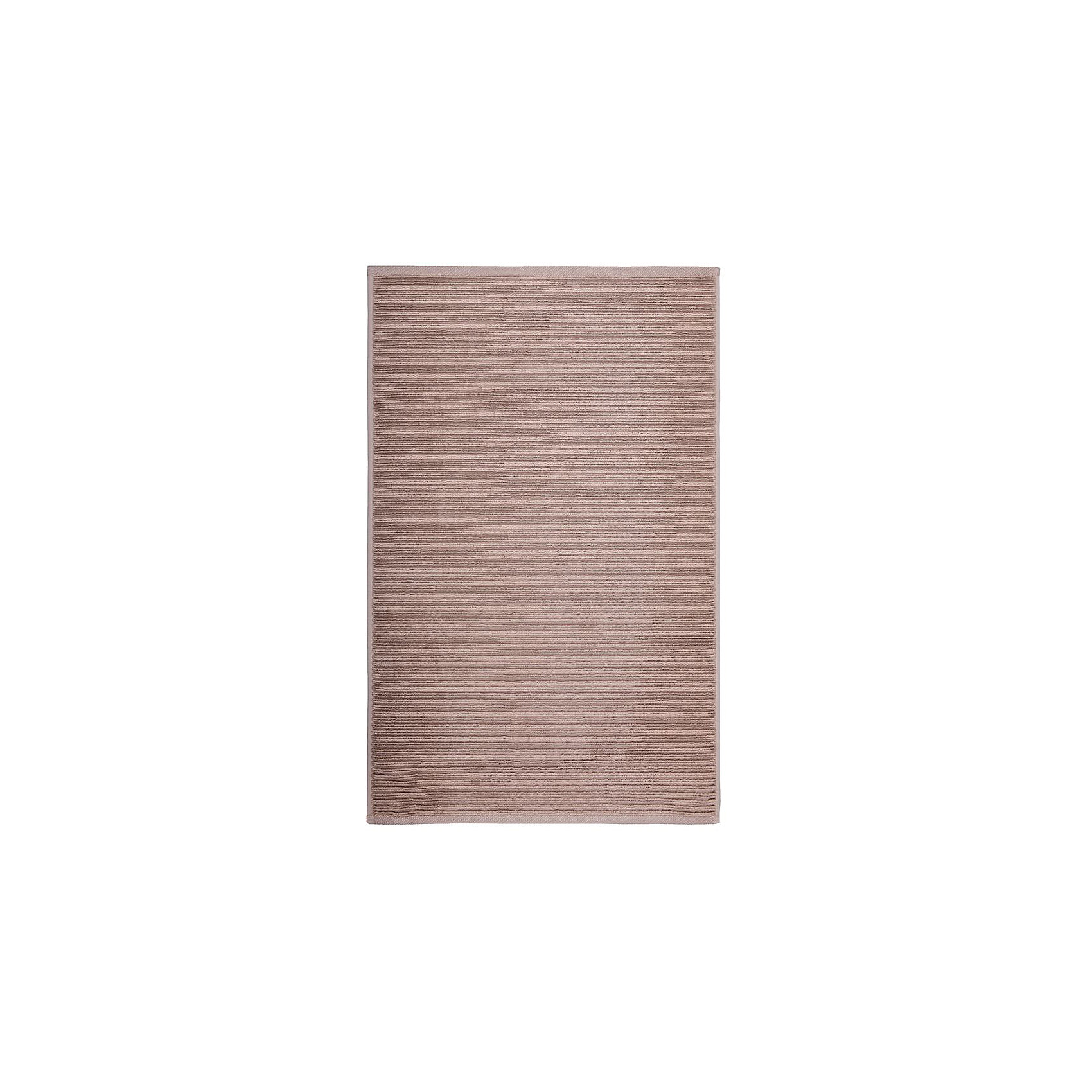 Полотенце для ног махровое Maison Bambu, 50*70, TAC, коричневый (toprak)Ванная комната<br>Характеристики:<br><br>• Вид домашнего текстиля: махровое полотенце<br>• Размеры полотенца: 50*70 см<br>• Рисунок: без рисунка<br>• Материал: хлопок, 50% хлопок; бамбук, 50%<br>• Цвет: коричневый<br>• Плотность полотна: 850 гр/м2 <br>• Повышенные впитывающие качества<br>• Вес: 300 г<br>• Размеры упаковки (Д*Ш*В): 25*3*25 см<br>• Особенности ухода: машинная стирка <br><br>Полотенце для ног махровое Maison Bambu, 50*70, TAC, коричневый (toprak) от наиболее популярного бренда на отечественном рынке среди производителей комплектов постельного белья и текстильных принадлежностей, выпуском которого занимается производственная компания, являющаяся частью мирового холдинга Zorlu Holding Textiles Group. Полотенце выполнено из сочетания натурального хлопка и бамбукового волокна, что обеспечивает гипоаллергенность, высокую износоустойчивость, повышенные гигкоскопические и антибактериальные свойства изделия. <br><br>Благодаря высокой степени плотности махры, полотенце отлично впитывает влагу, но при этом остается мягким. Ворс окрашен стойкими нетоксичными красителями, который не оставляет запаха и обеспечивает ровный окрас. Полотенце сохраняет свой цвет и форму даже при частых стирках. Выполнено в коричневом цвете без рисунка.<br><br>Полотенце для ног махровое Maison Bambu, 50*70, TAC, коричневый (toprak) можно купить в нашем интернет-магазине.<br><br>Ширина мм: 250<br>Глубина мм: 30<br>Высота мм: 250<br>Вес г: 400<br>Возраст от месяцев: 216<br>Возраст до месяцев: 1188<br>Пол: Унисекс<br>Возраст: Детский<br>SKU: 5476346