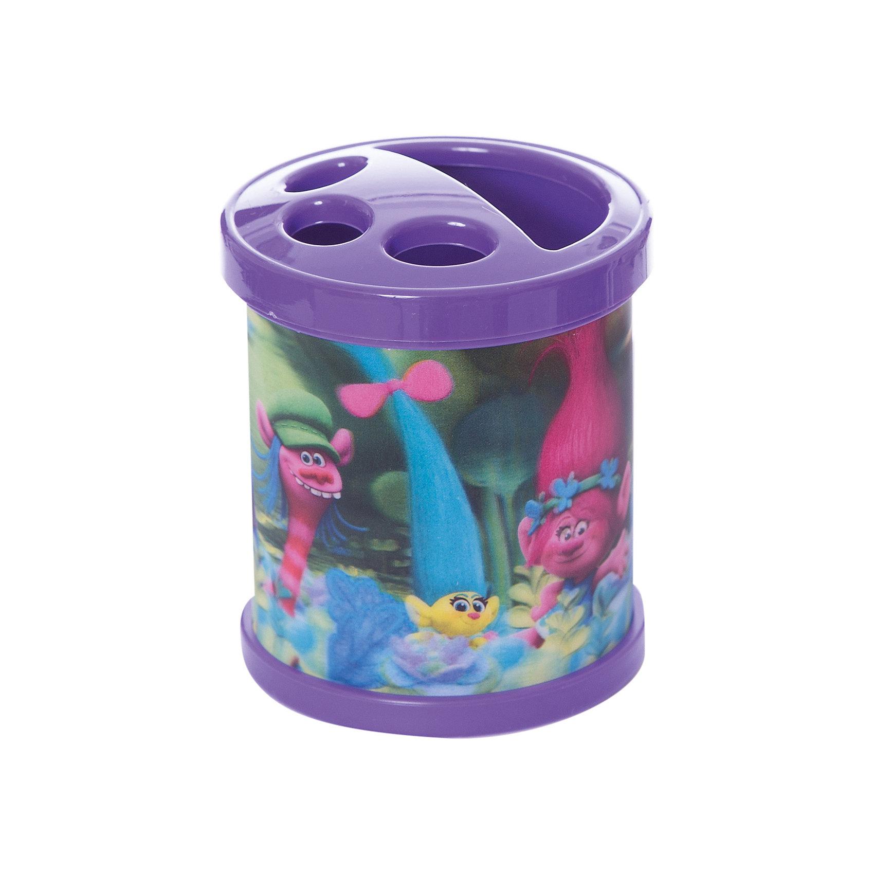 Подставка настольная  Тролли, пластиковая, эффект 3ДРисование и лепка<br>Подставка настольная Тролли, пластиковая, эффект 3Д<br><br>Характеристики:<br><br>• В набор входит: подставка для карандашей<br>• Размер подставки: 8,5 * 10 * 8,5 см.<br>• Состав: пластик<br>• Вес: 140 г.<br>• Для детей в возрасте: от 3 до 9 лет<br>• Страна производитель: Китай<br><br>Красивая подставка с любимыми героями мультфильма Тролли от известного немецкого бренда товаров для детей Centrum (Центрум) поможет устроить порядок на рабочем столе. Специальные разделяющие зоны этой подставки можно сориентировать под разные виды пишущих принадлежностей, а можно использовать подставку для хранения зубных щёток. <br><br>Подставку настольную Тролли, пластиковую, эффект 3Д можно купить в нашем интернет-магазине.<br><br>Ширина мм: 85<br>Глубина мм: 85<br>Высота мм: 100<br>Вес г: 140<br>Возраст от месяцев: 36<br>Возраст до месяцев: 2147483647<br>Пол: Женский<br>Возраст: Детский<br>SKU: 5478271