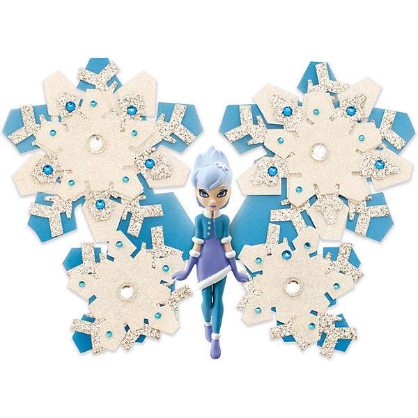 Игровой набор Фея Снежинка, Shimmer WingНаборы стилиста и дизайнера<br>Характеристики товара:<br><br>• возраст: от 5 лет;<br>• материал: пластик;<br>• в комплекте: кукла, подставка для куклы, крылья, 2 листа наклеек, лист со стразами, питомец, крылья для питомца;<br>• размер упаковки: 21х20х8 см;<br>• вес упаковки: 136 гр.;<br>• страна производитель: Китай.<br><br>Игровой набор «Фея Снежинка» Shimmer Wing включает в себя очаровательную фею Снежинку и ее питомца. Одета Снежинка в зимний наряд: голубое теплое платье, перчатки и сапожки.<br><br>Дополнят образ феи яркие крылышки, которые девочке предстоит украсить самой с помощью блестящих наклеек и страз, проявив фантазию и воображение. <br><br>Игровой набор «Фея Снежинка» Shimmer Wing можно приобрести в нашем интернет-магазине.<br>Ширина мм: 90; Глубина мм: 200; Высота мм: 210; Вес г: 141; Возраст от месяцев: 60; Возраст до месяцев: 2147483647; Пол: Женский; Возраст: Детский; SKU: 5478832;